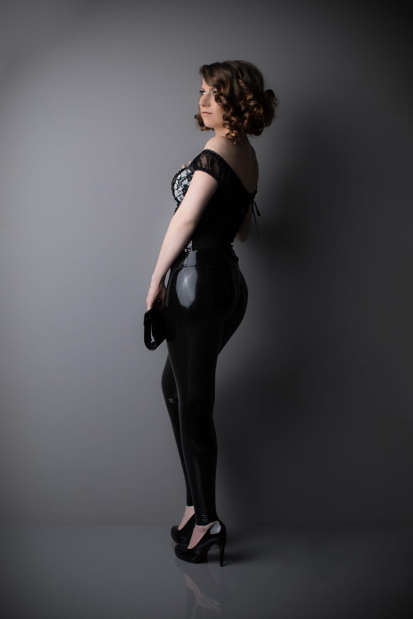 latex midwaist leggin black