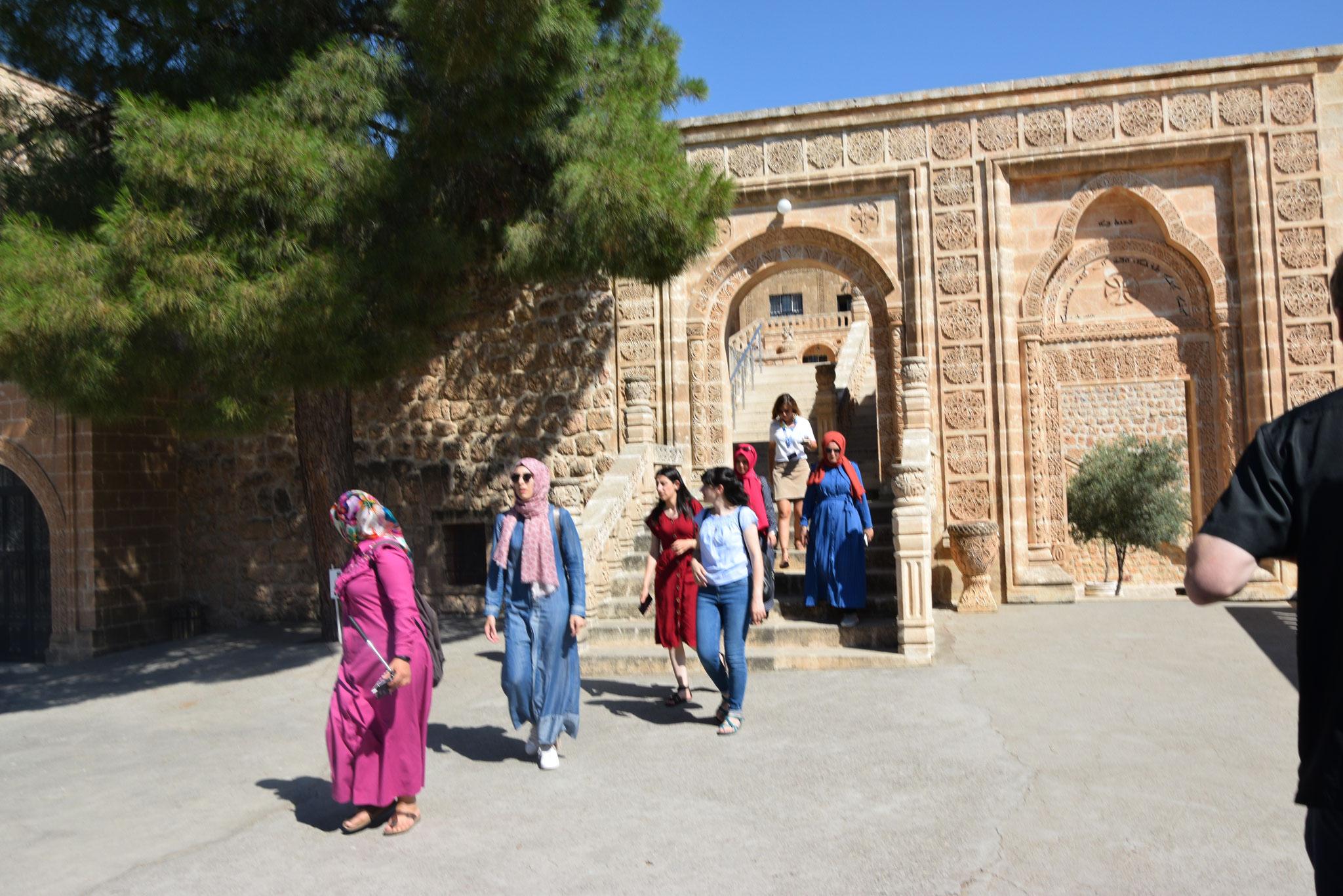 Das bedeutendste Kloster des Tur Abdin ist Mor Gabriel. Es wird auch von vielen muslimischen Touristen besucht. (Heuer wegen Corona freilich nicht.)
