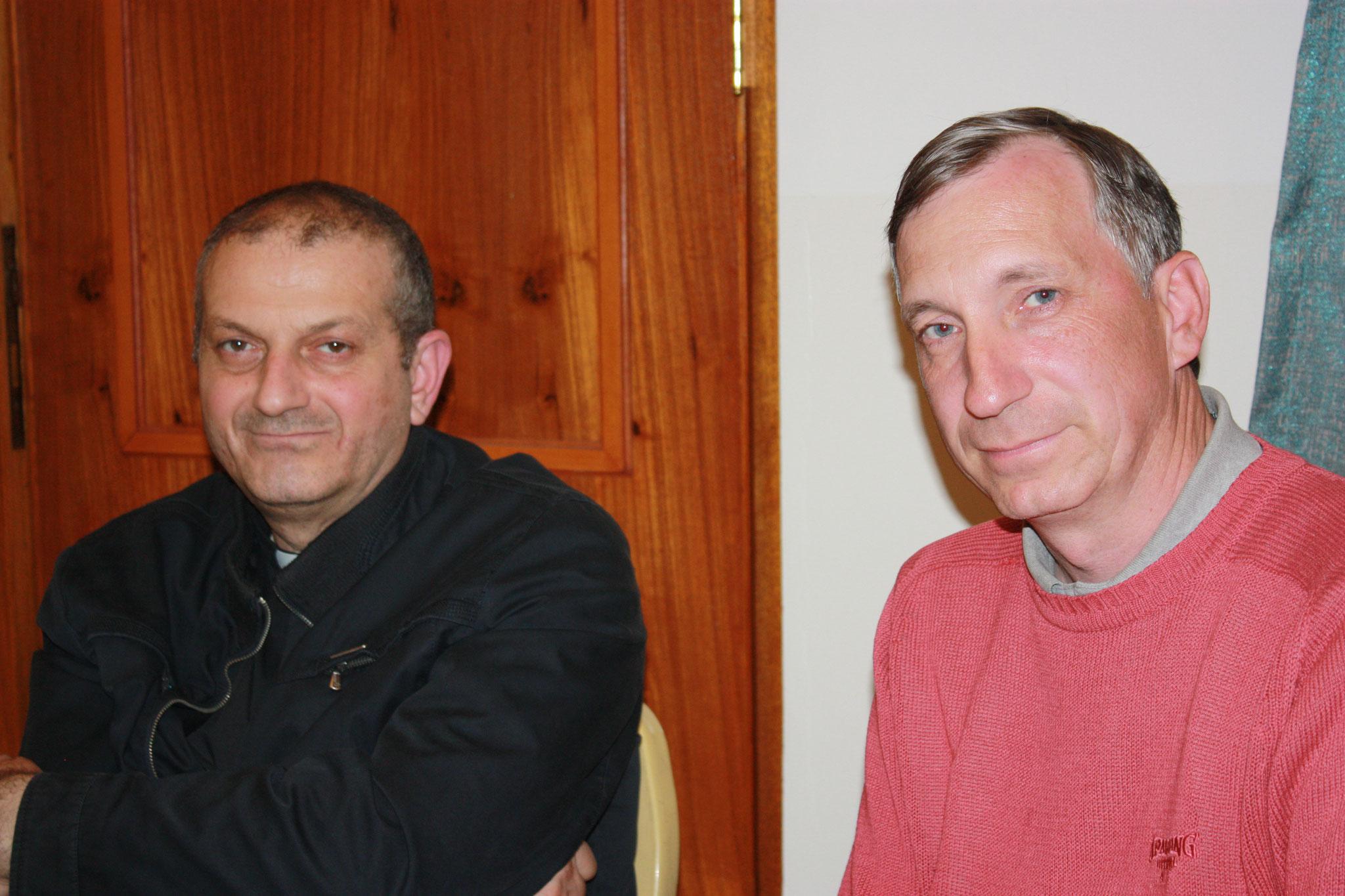 ICO-Projektkoordinator Stefan Maier im Gespräch mit Pater Jaques Mourad, der in Syrien 5 Monate lang Geisel islamistischer Fundamentalisten war