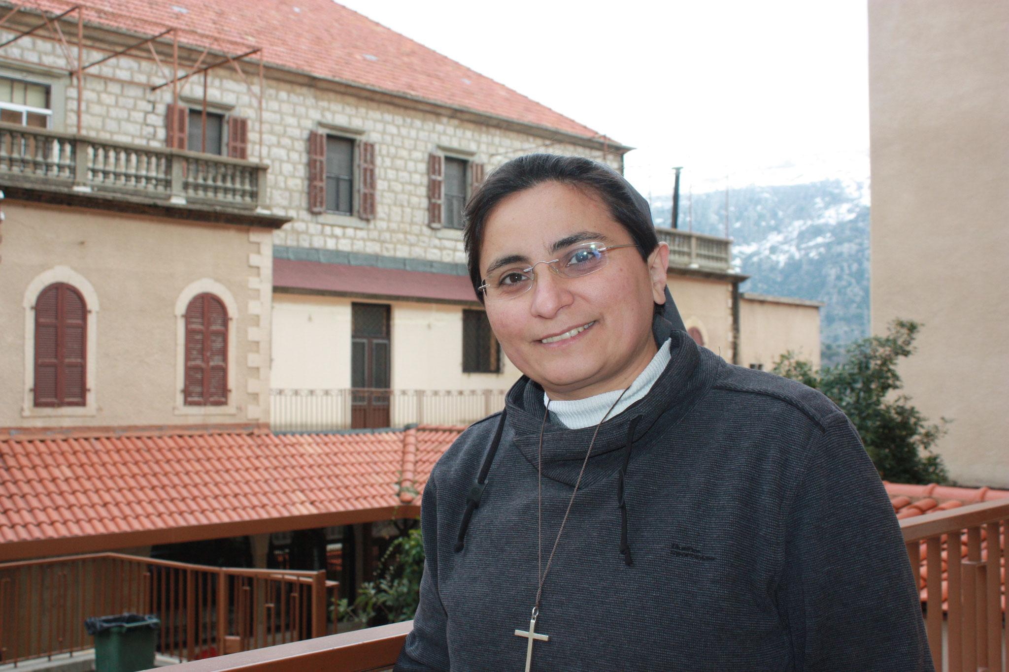 Sr. Marie Harika, Oberin der Schule St. Vinzen in Baskinta