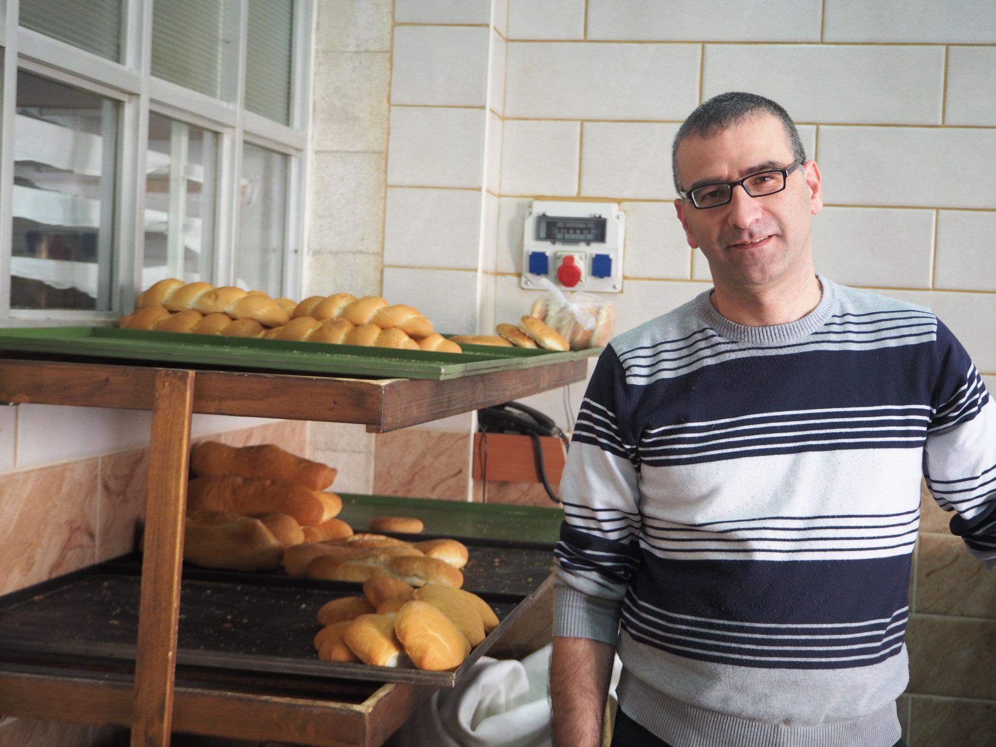 Brot für bedürftige Familien aus der Bäckerei der Don Bosco Salesianer in Bethlehem