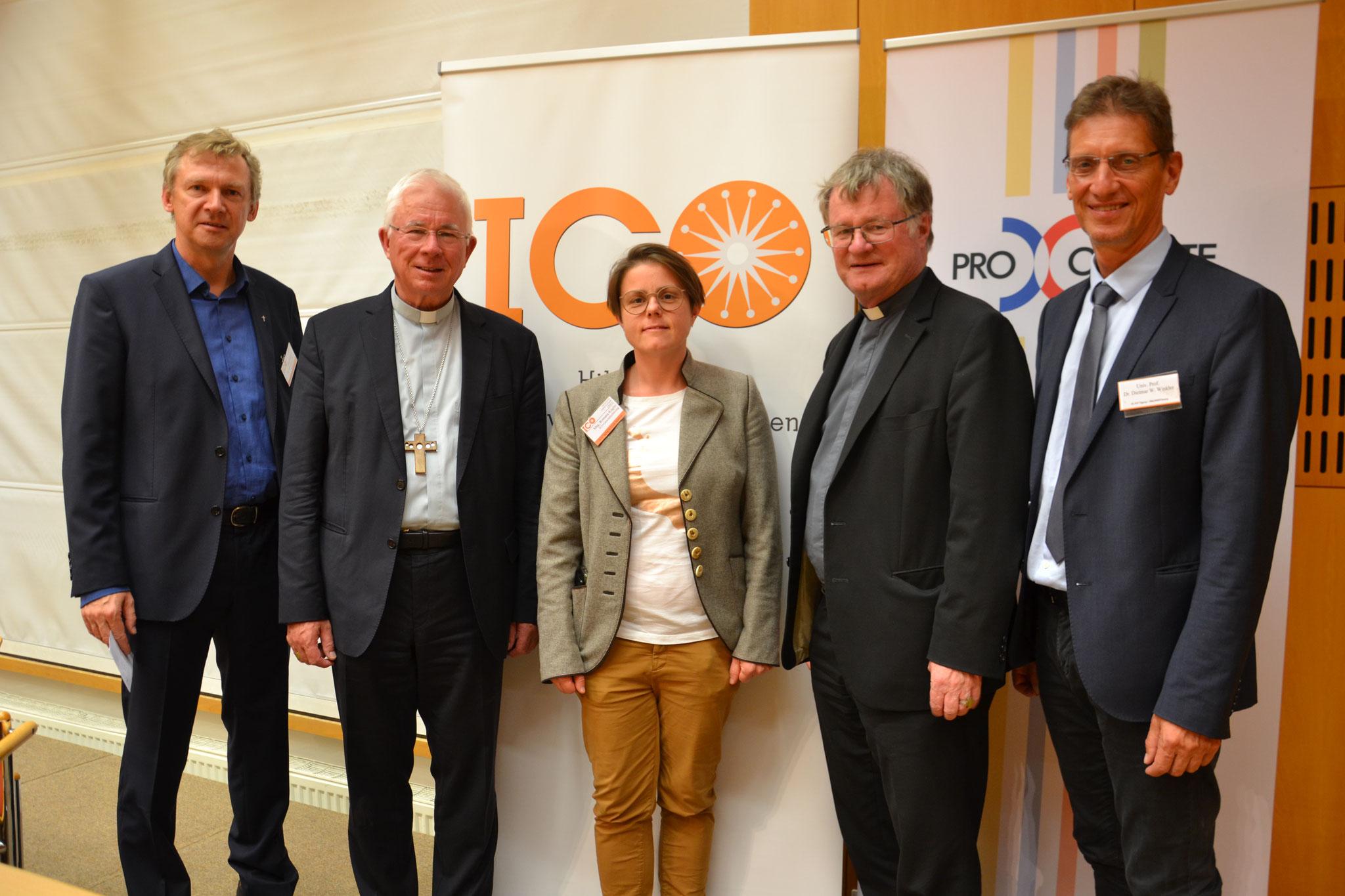 Die Spitzen der Österreichischen Bischofskonferenz waren zu Gast: Erzbischof Lackner ist der Vorsitzende, BischofScheuer der stellvertretende Vorsitzende. Prof. Winkler vertrat auch die Salzburger Sektion von Pro Oriente, Mitveranstalter der Tagung.