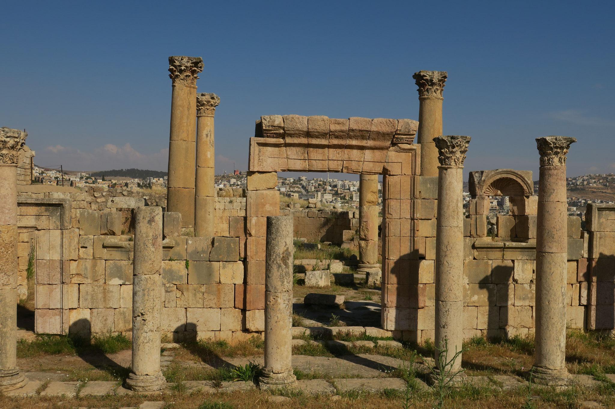 In der Stadt Jerash sind Stadtteile aus der Römerzeit erhalten und sie zählt zu den Besuchermagneten.