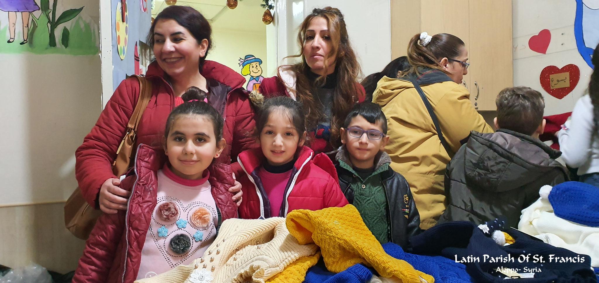 Warme Winterbekleidung für Kinder in Aleppo