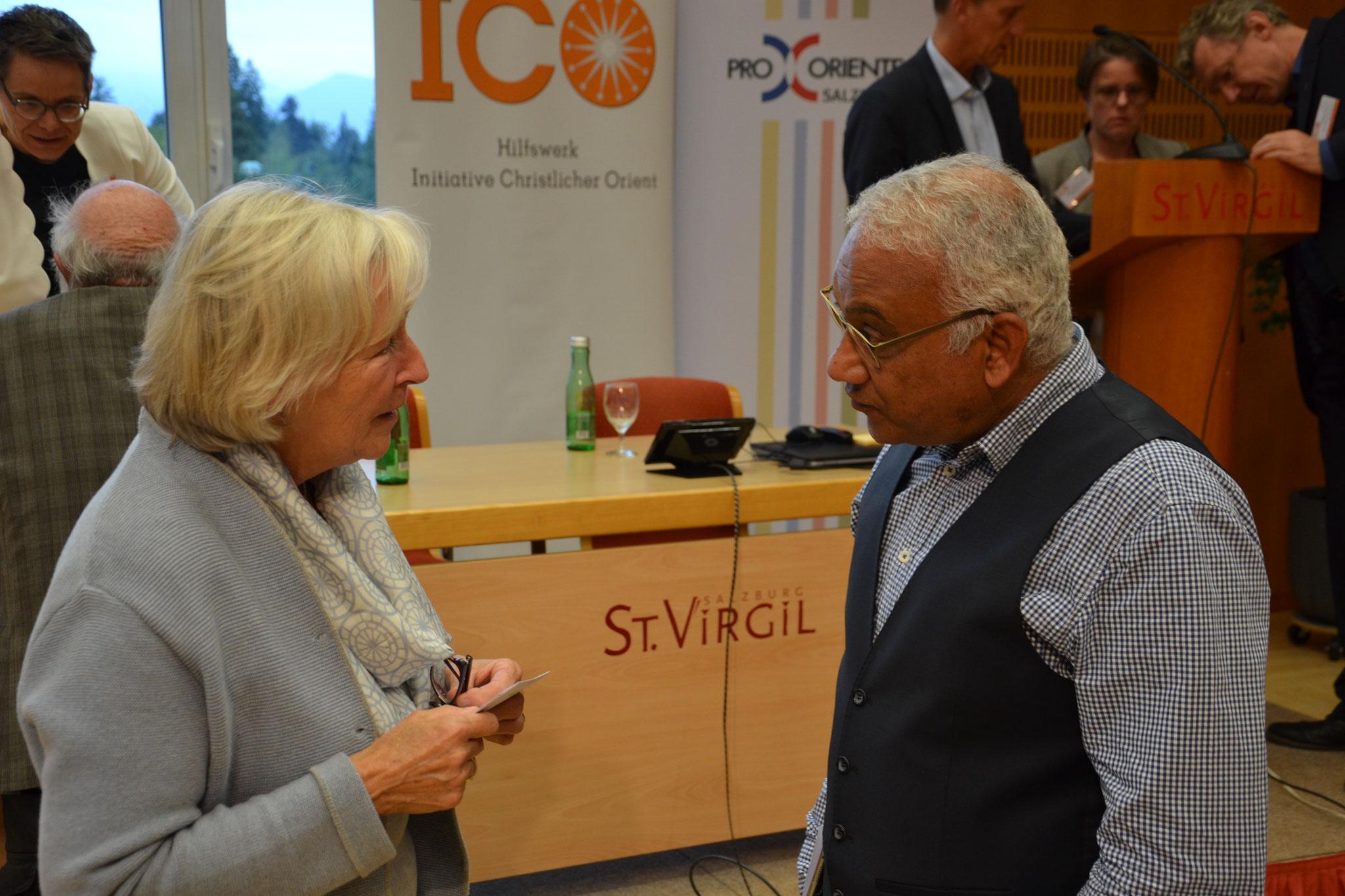 Auch das macht den besonderen Reiz der ICO-Tagungen aus: die vielen Gespräche am Rande des offiziellen Programms.