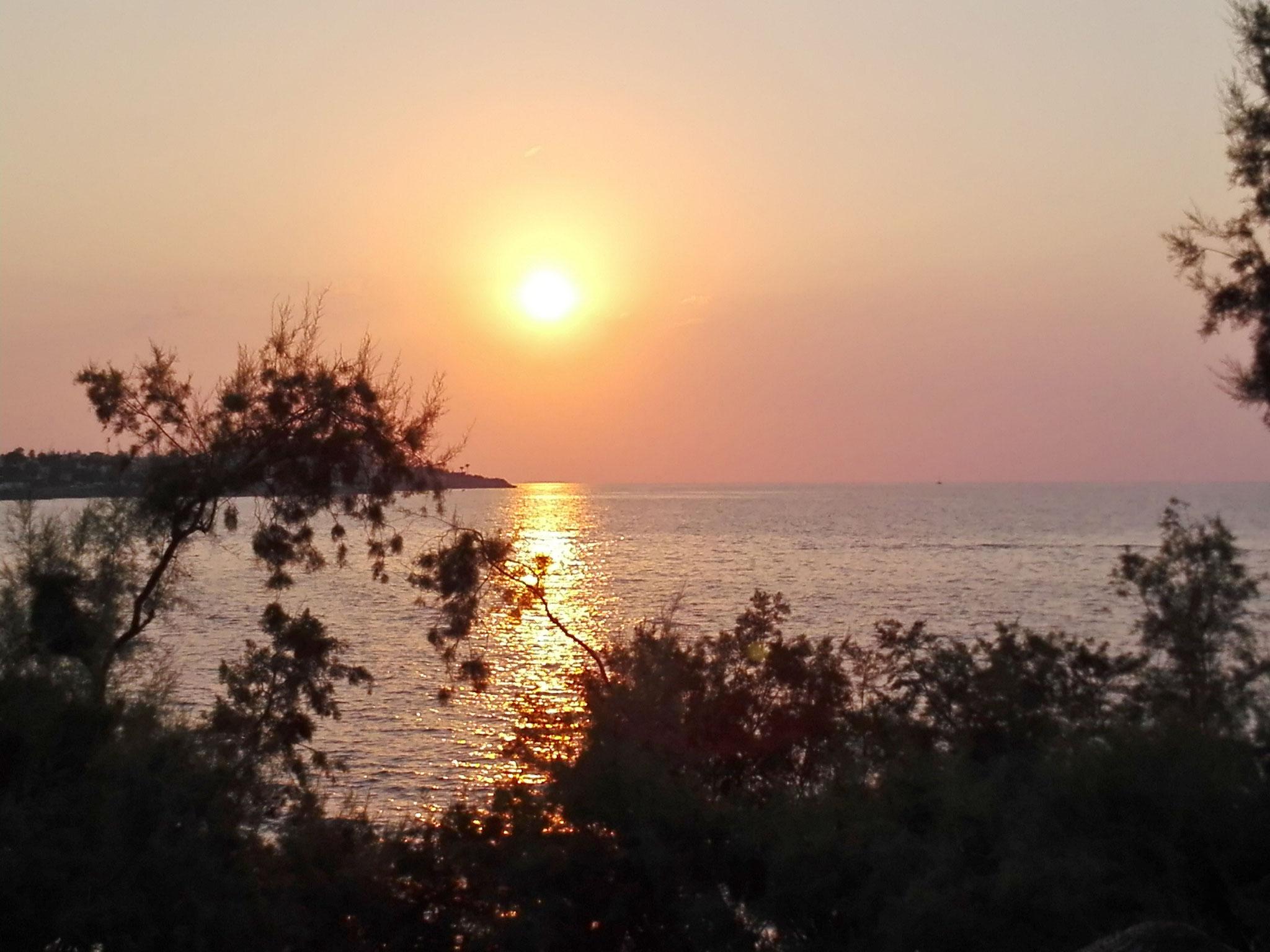 . . .  und täglich ein wunderschöner Sonnenuntergang