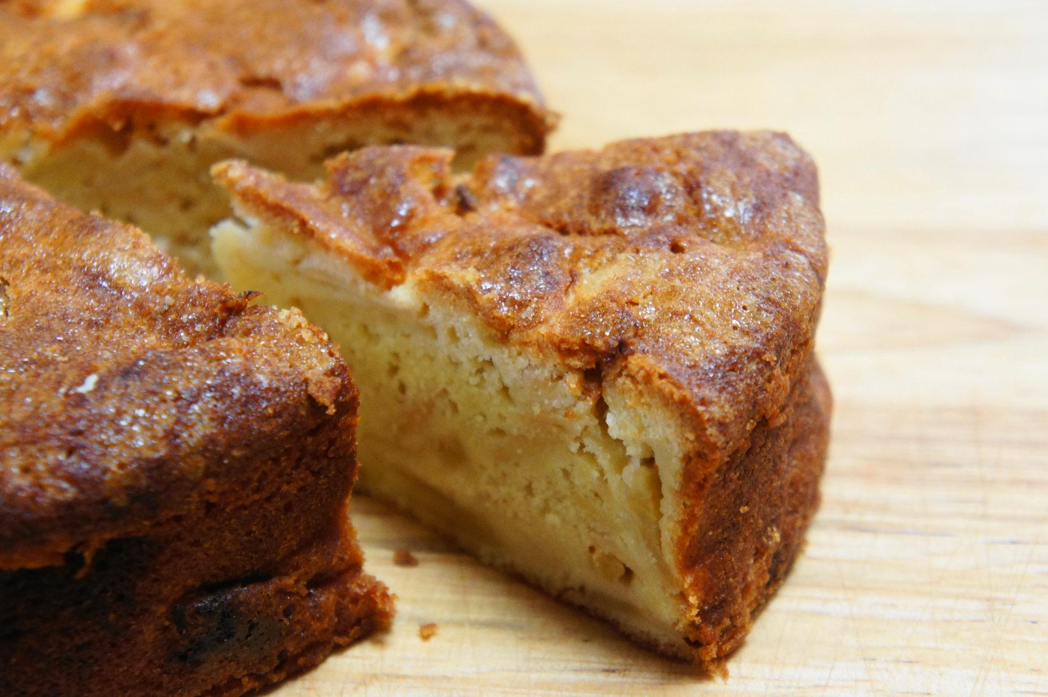 ブラムリーをたっぷりと使ったイギリス伝統のリンゴケーキ「ドーセットアップルケーキ」