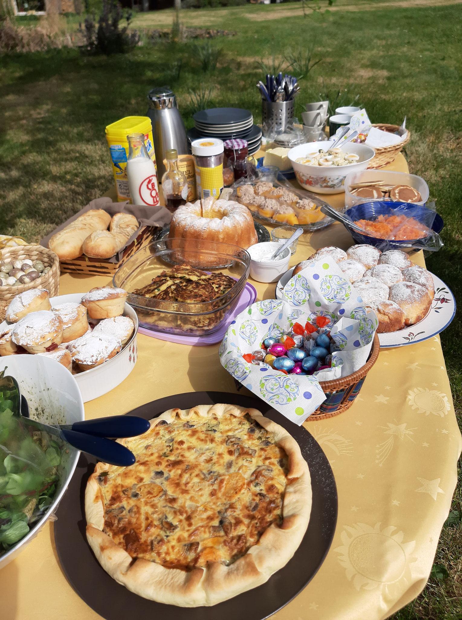 """Le buffet de notre """"brunch de Pâques"""""""