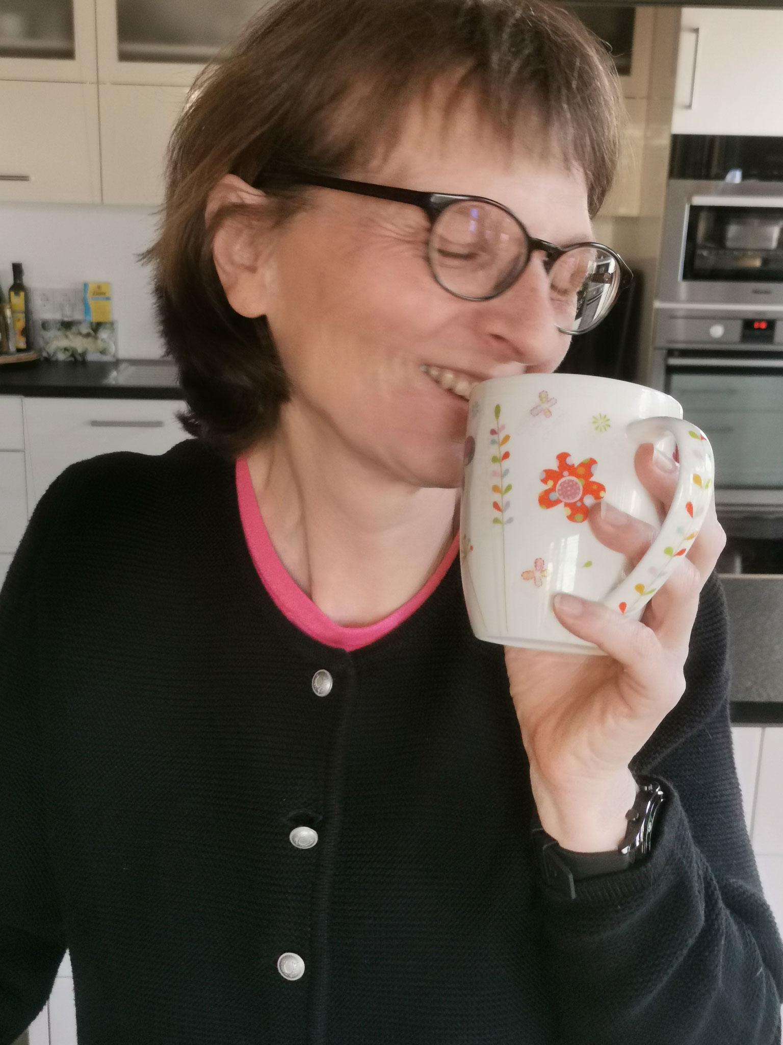 dringend meinen Kaffee ....