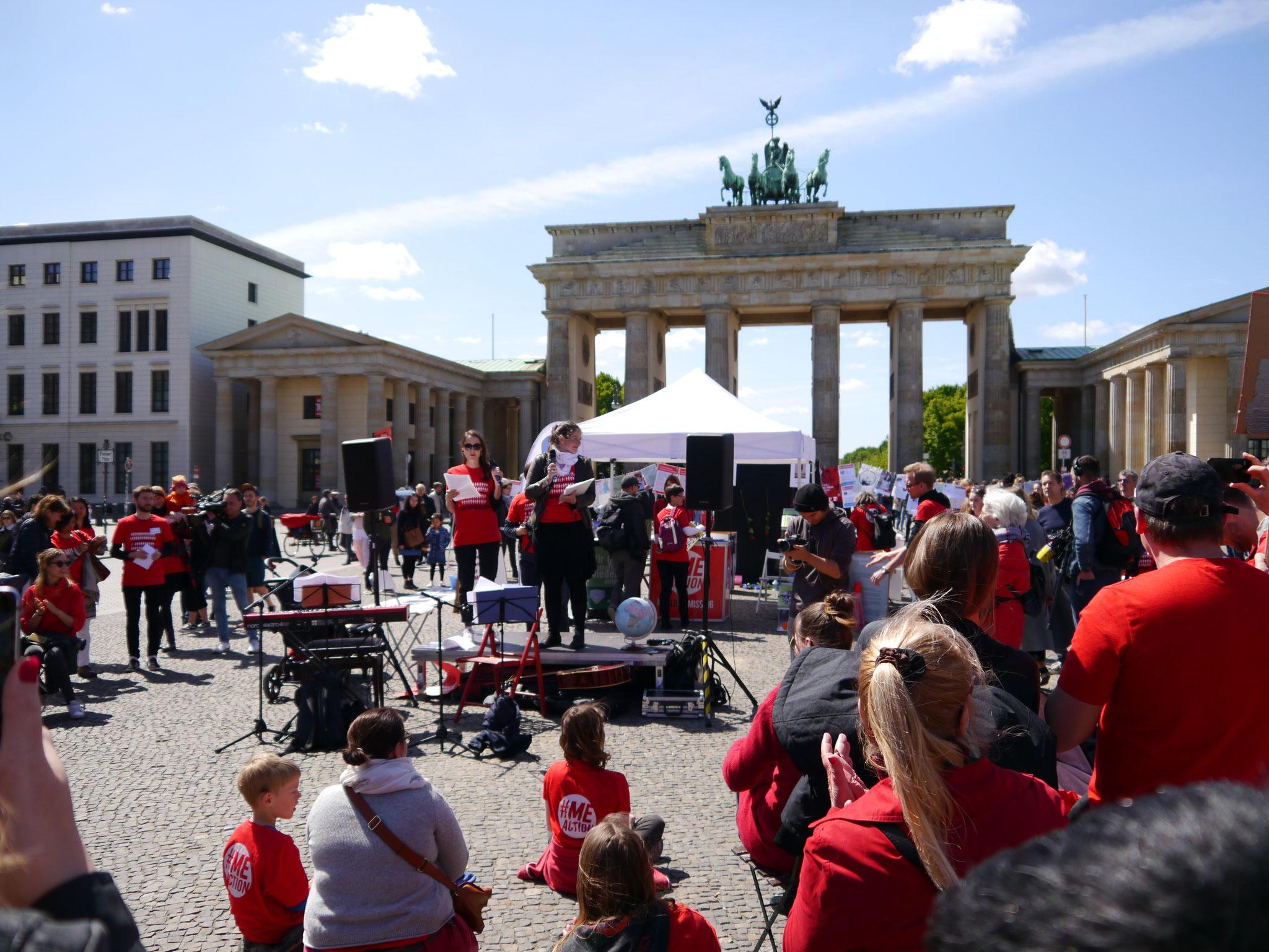 Kelly und Dorothée von #MillionsMissing Deutschland