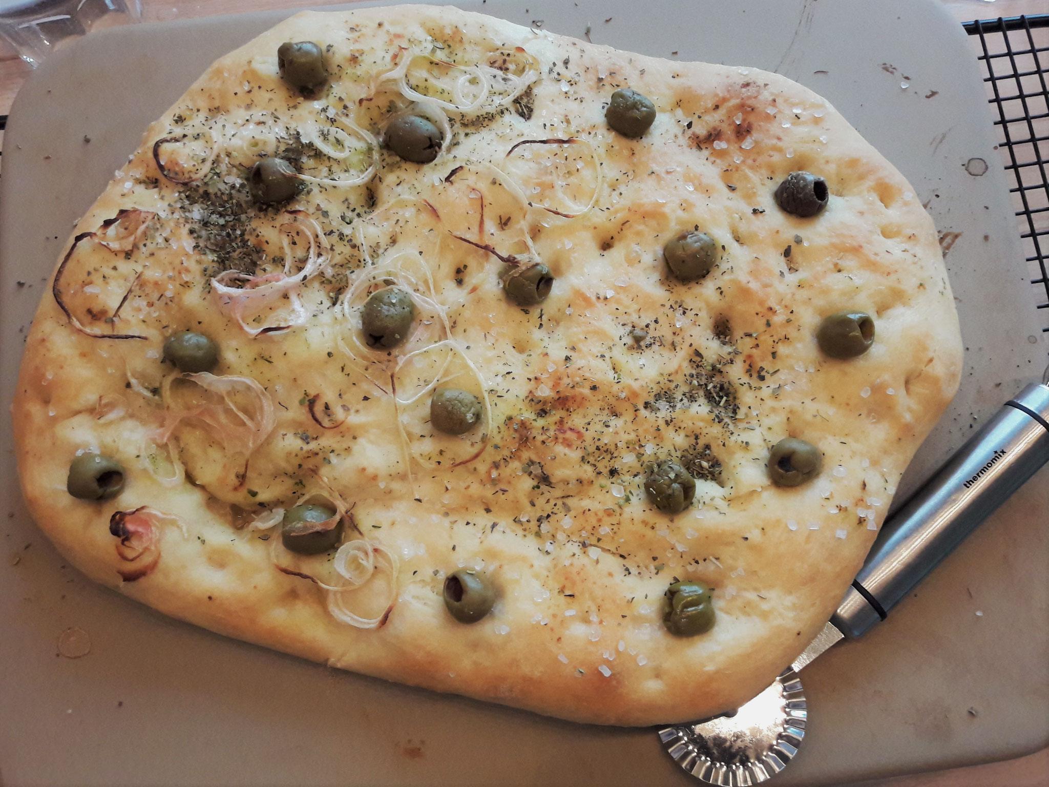 Oliven, Zwiebeln Focaccia