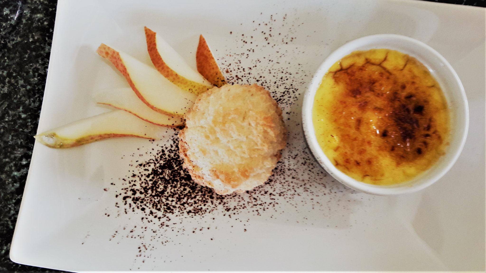Crème Brülée mit Kokosmakkaröndli