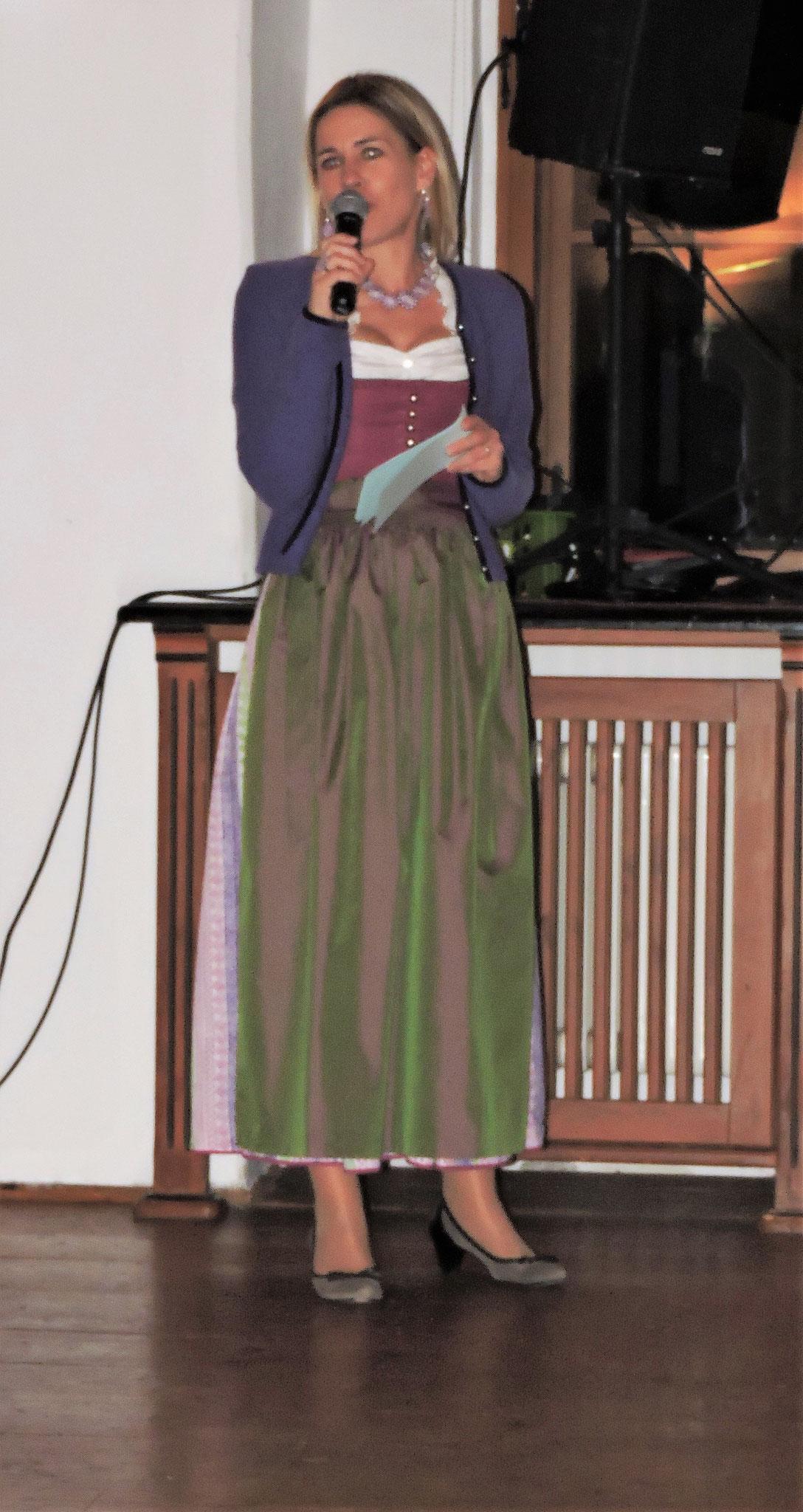 Iris Wolf moderierte den Abend in gewohnt charmanter Art ©B. Bichler