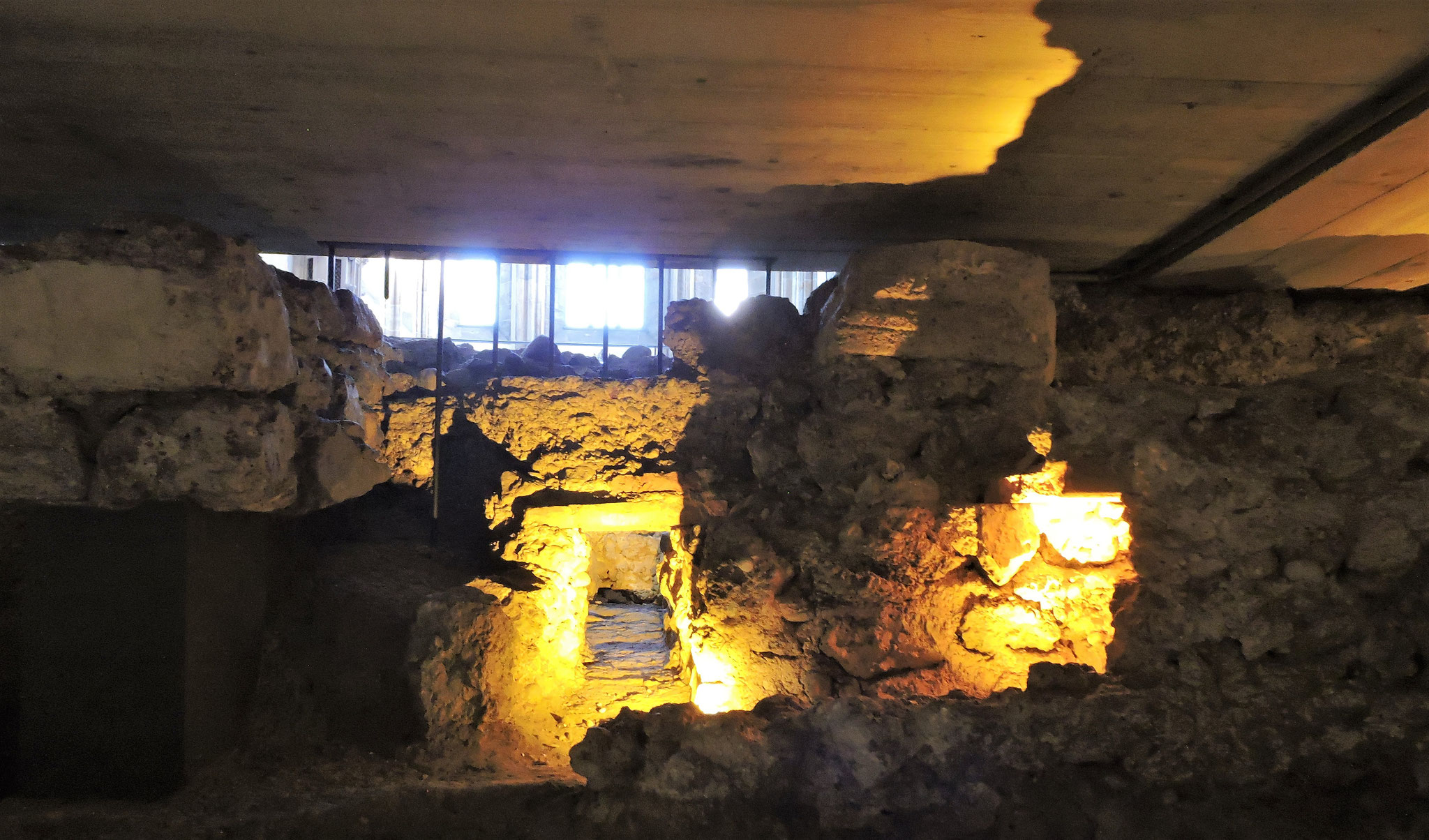 Reste des römischen Hypokaustums ©B. Bichler