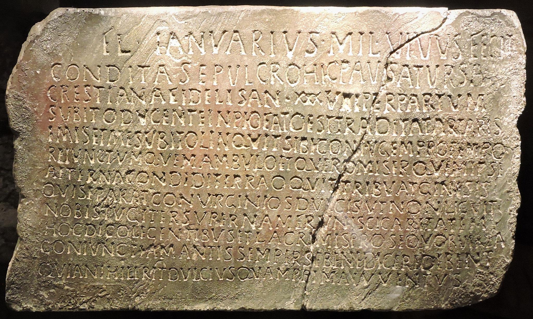 Der Grabstein der Ursa - ein frühchristliches Zeugnis  ©B. Bichler