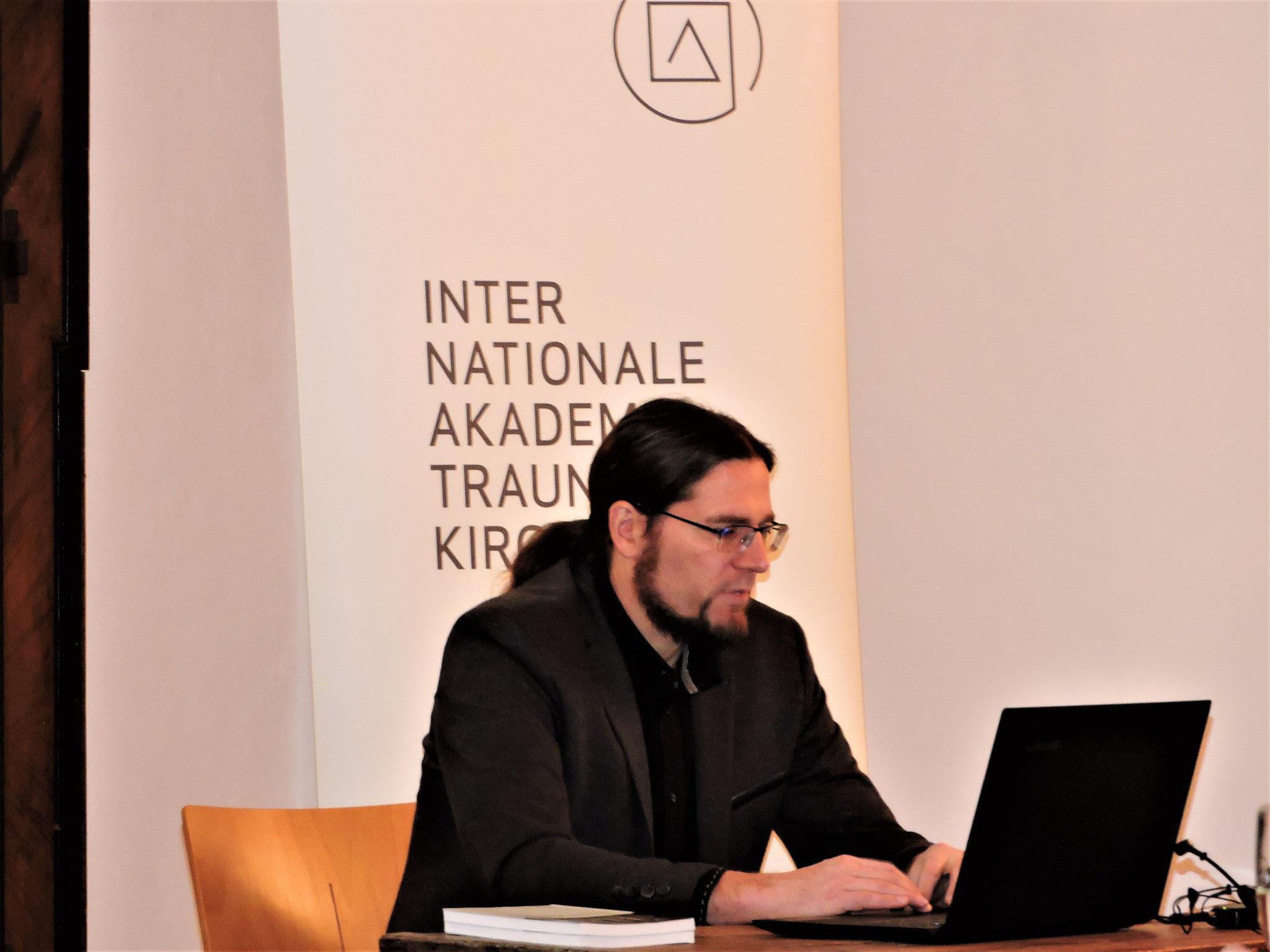 Dr. Stefan Traxler, Spezialist für römerzeitliche und Mittelalterarchäologie ... ©B. Bichler
