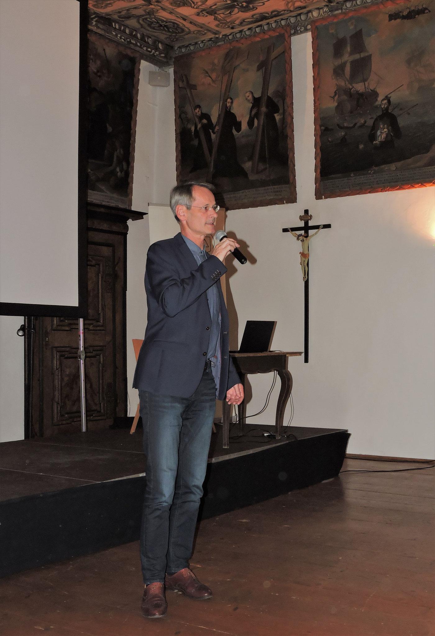 Bezirkshauptmann Mag. Alois Lanz betonte die Bedeutung Traunkirchens als geistiges Zentrum ©B. Bichler