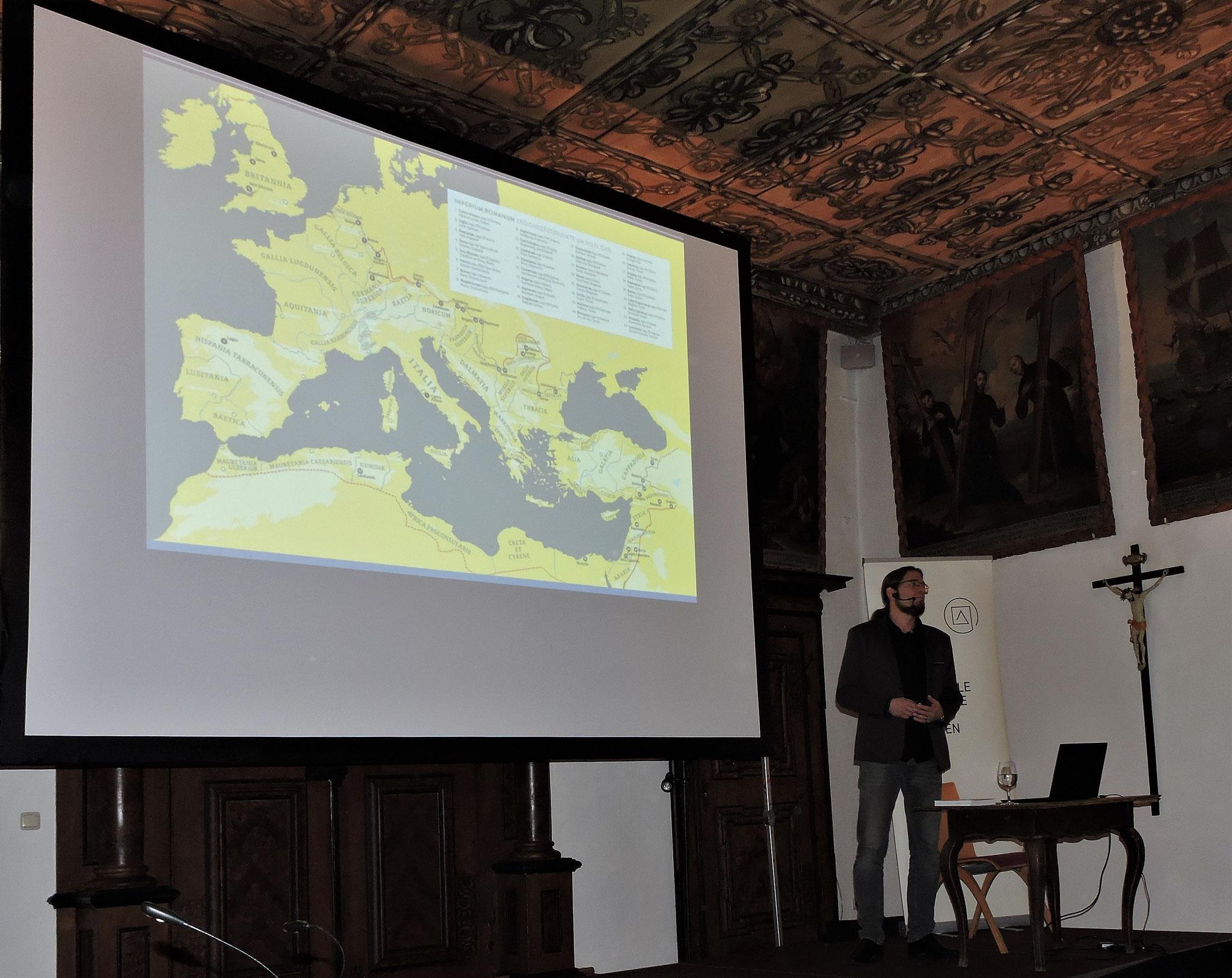 Dr. Traxler nahm uns mit auf eine Reise von den Grenzen des römischen Reichs ... ©B. Bichler