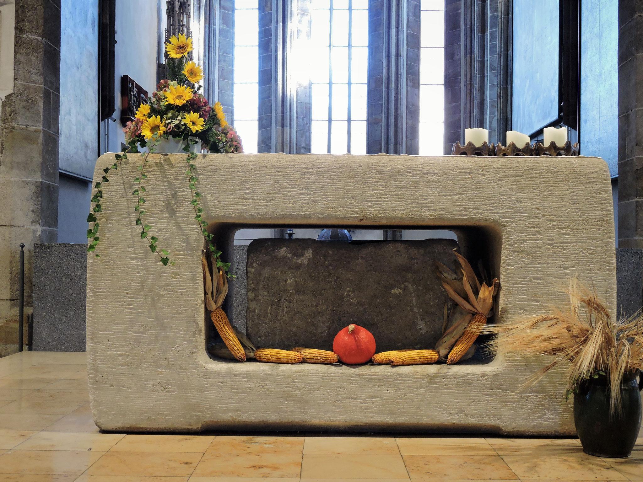 Der Reliquienschrein im Altar ©B. Bichler