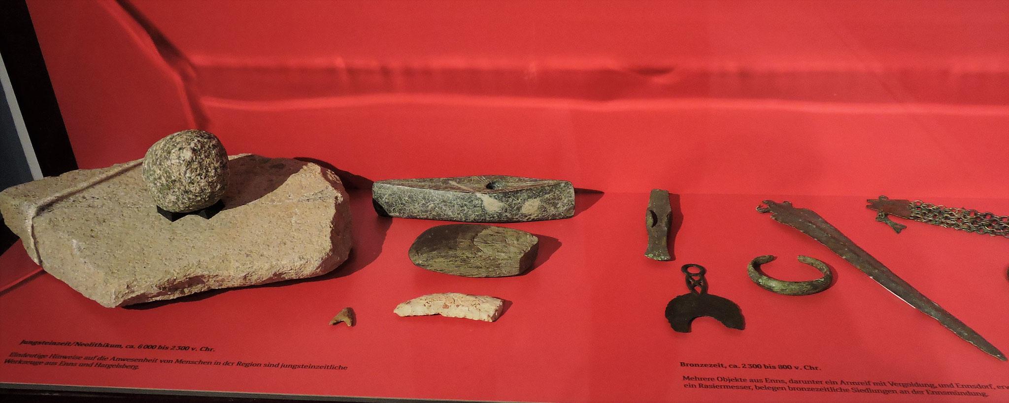 Artefakte aus der Jungsteinzeit und Bronzezeit ©B. Bichler