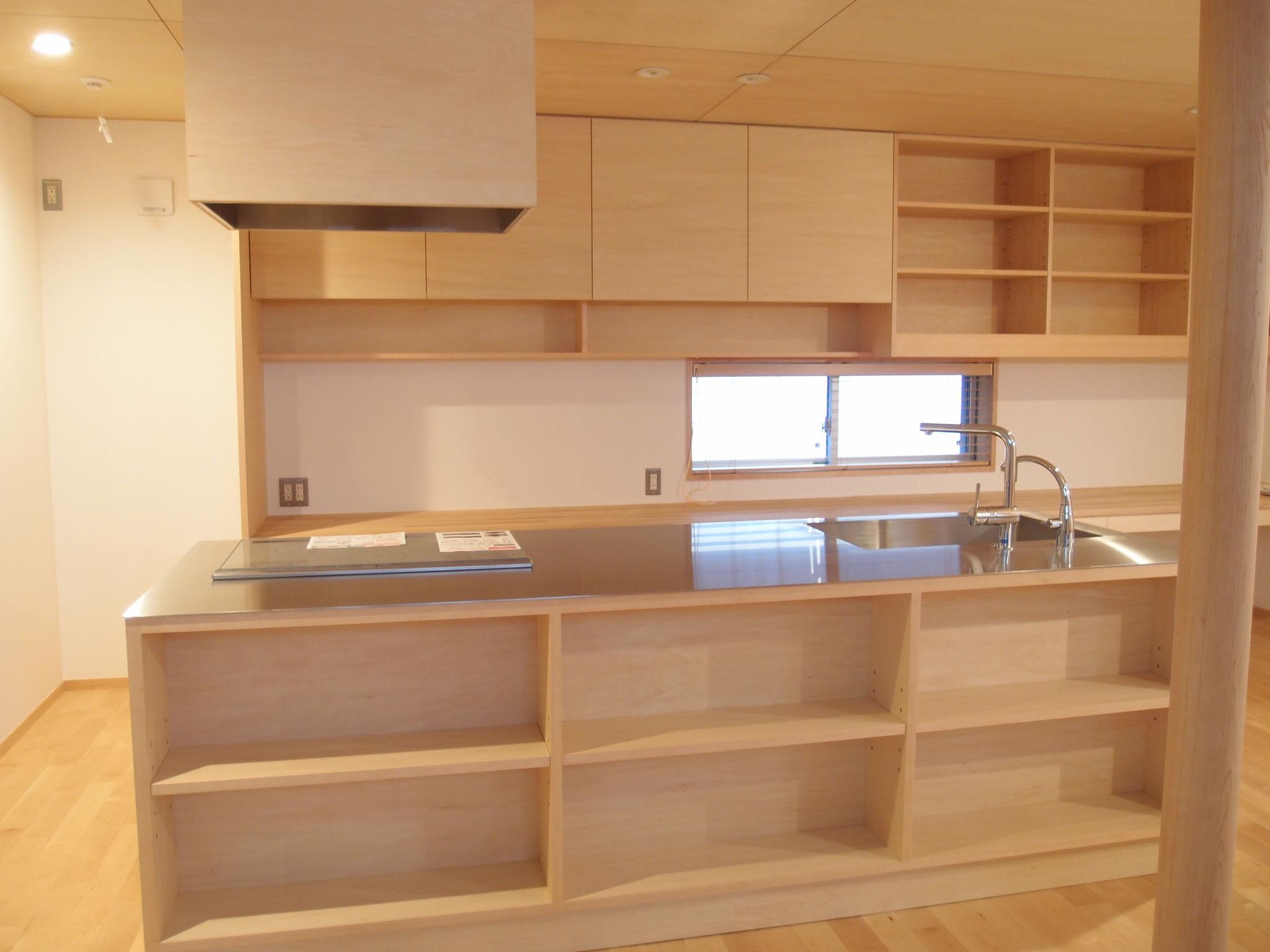 キッチン収納 カウンター下 収納 飾棚