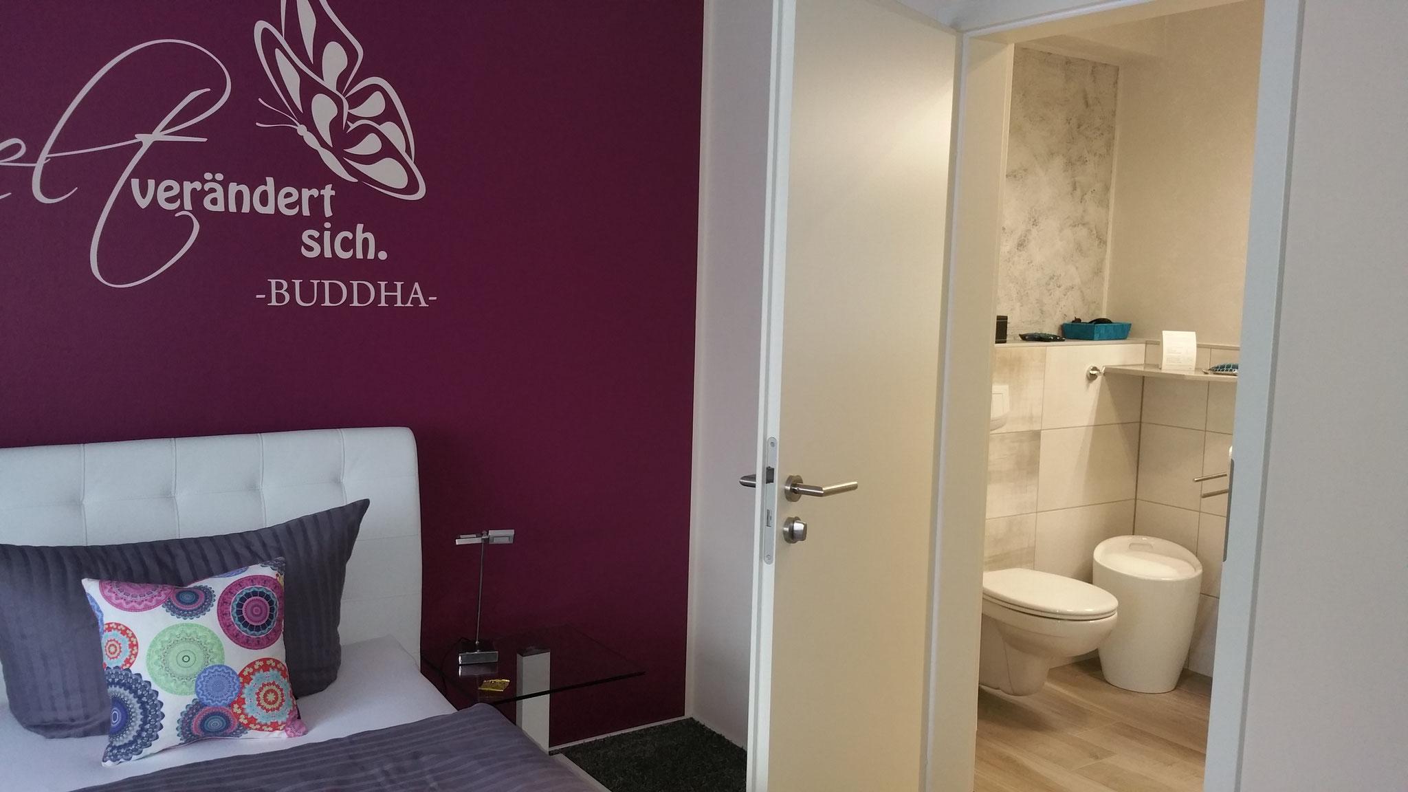 Deluxe Zimmer 2 - Badezimmer-Einblicke