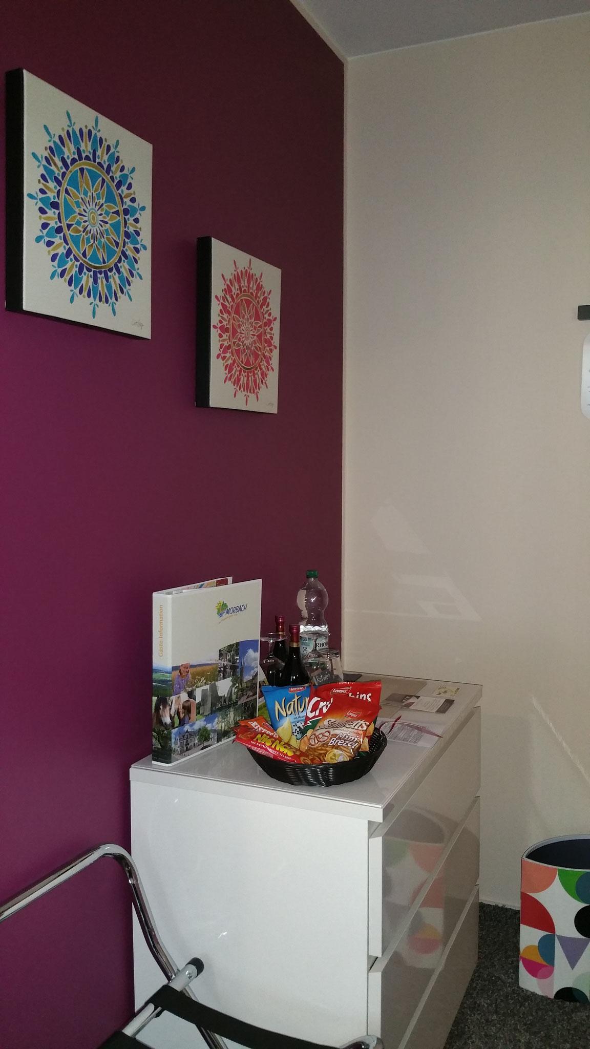 Komfort Zimmer 2 -  Wein, Snacks... für Ihr Wohl ist gesorgt!