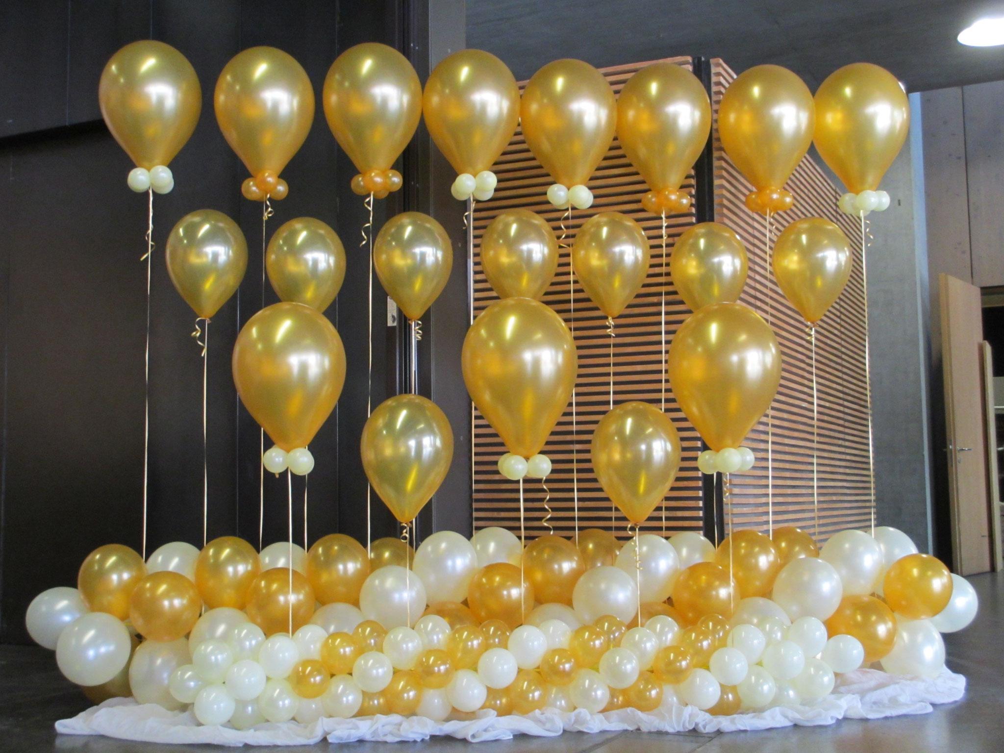 fliegende Ballonwand