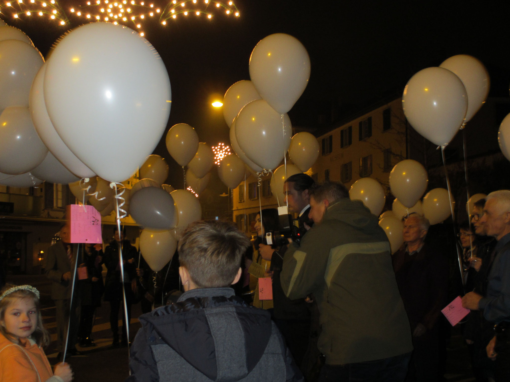 Nacht - Ballonstart mit Wunderkerzen