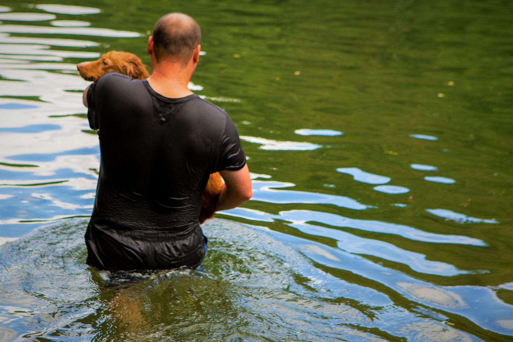 Ginger mag Wasser eigentlich überhaupt nicht, nur bis zu den Ellbogen.