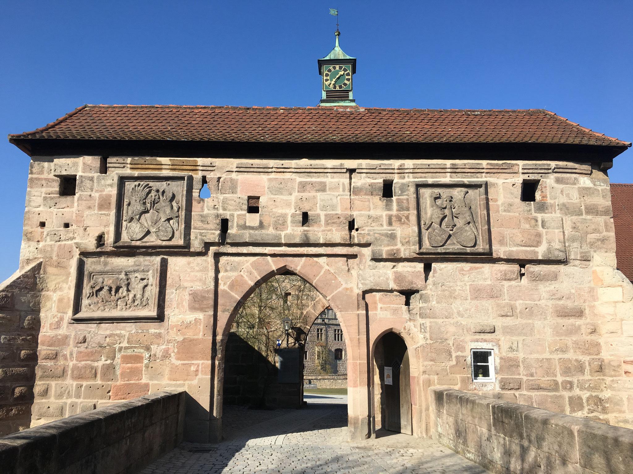 Eingangstor zur Cadolzburg