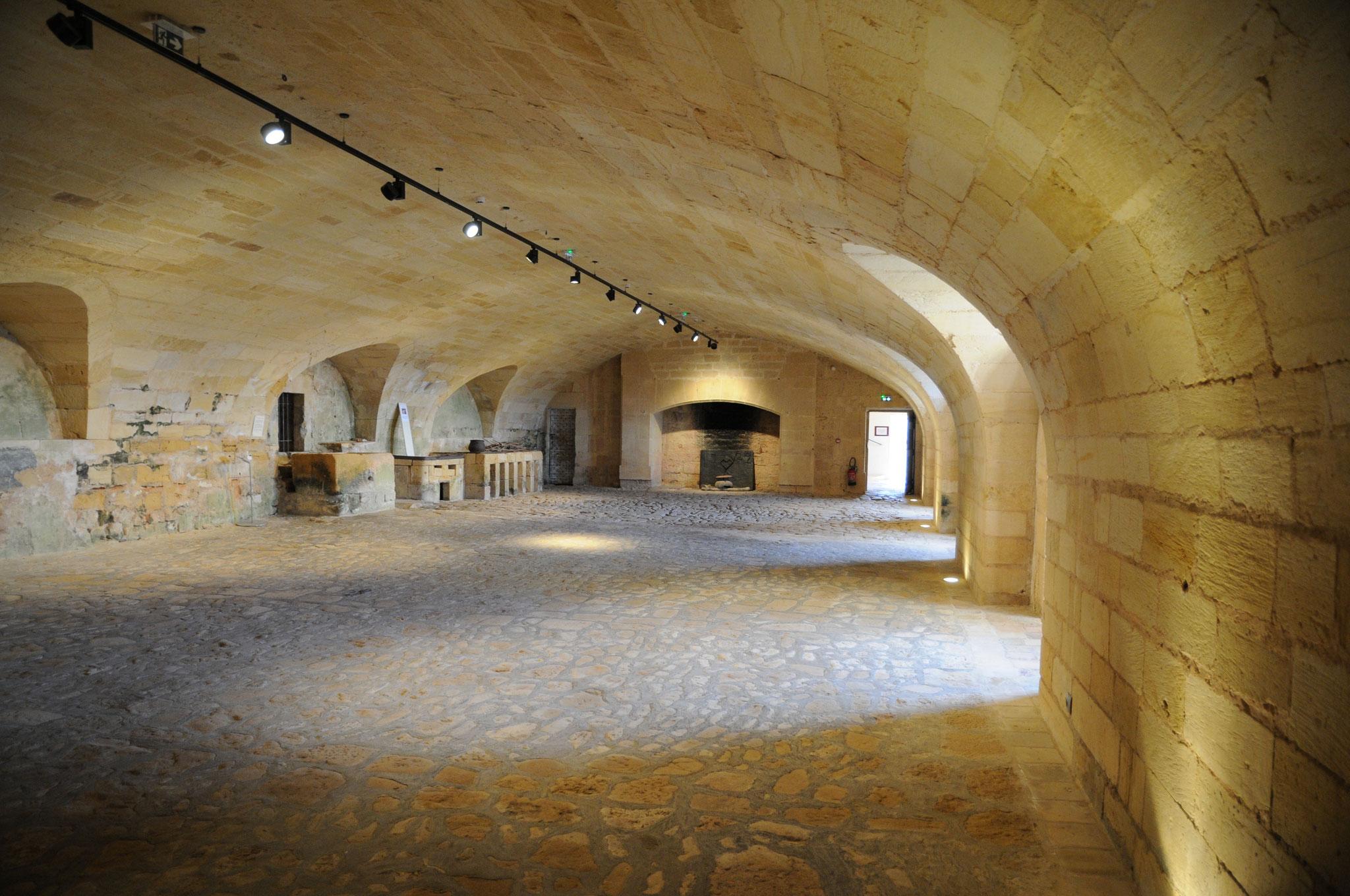 Le château de Biron : la cuisine voûtée en anse de panier