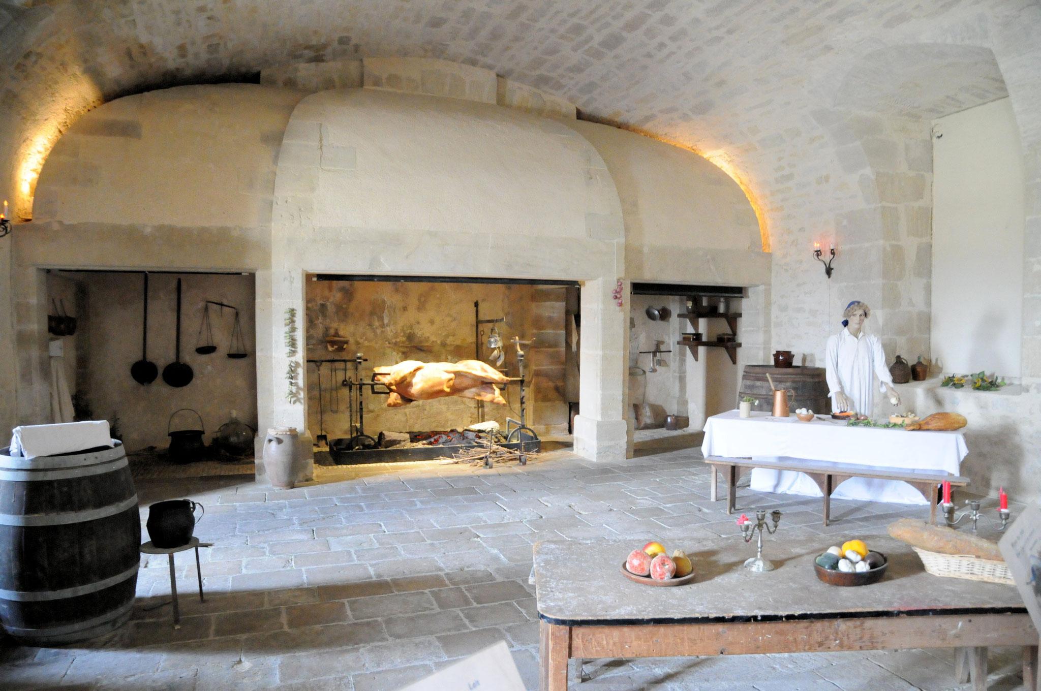 """Le château de Duras : la cuisine """"aux cent fagots"""""""