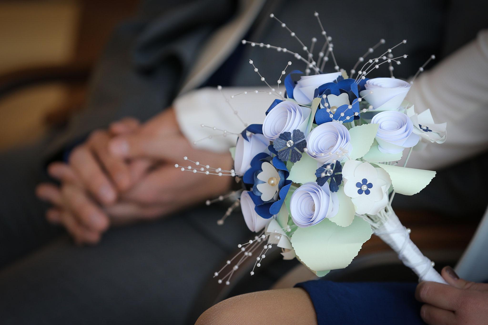 www.lovelyflowers.de - Dein Spezialist für kleine feine PAPER-ART Brautbouquets!