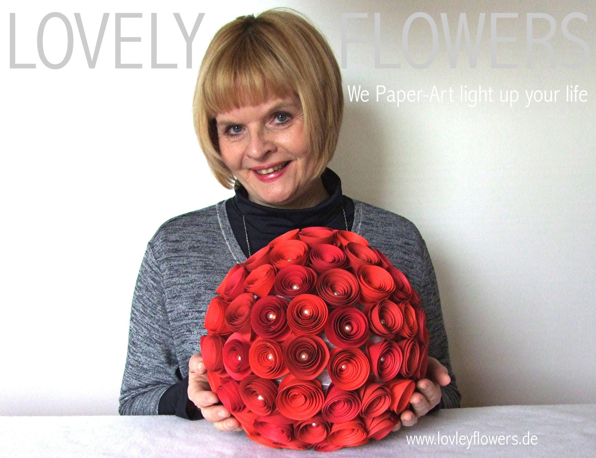 www.lovelyflowers.de - Paper Art Lampen gibts als Dekokugeln von S-XL!