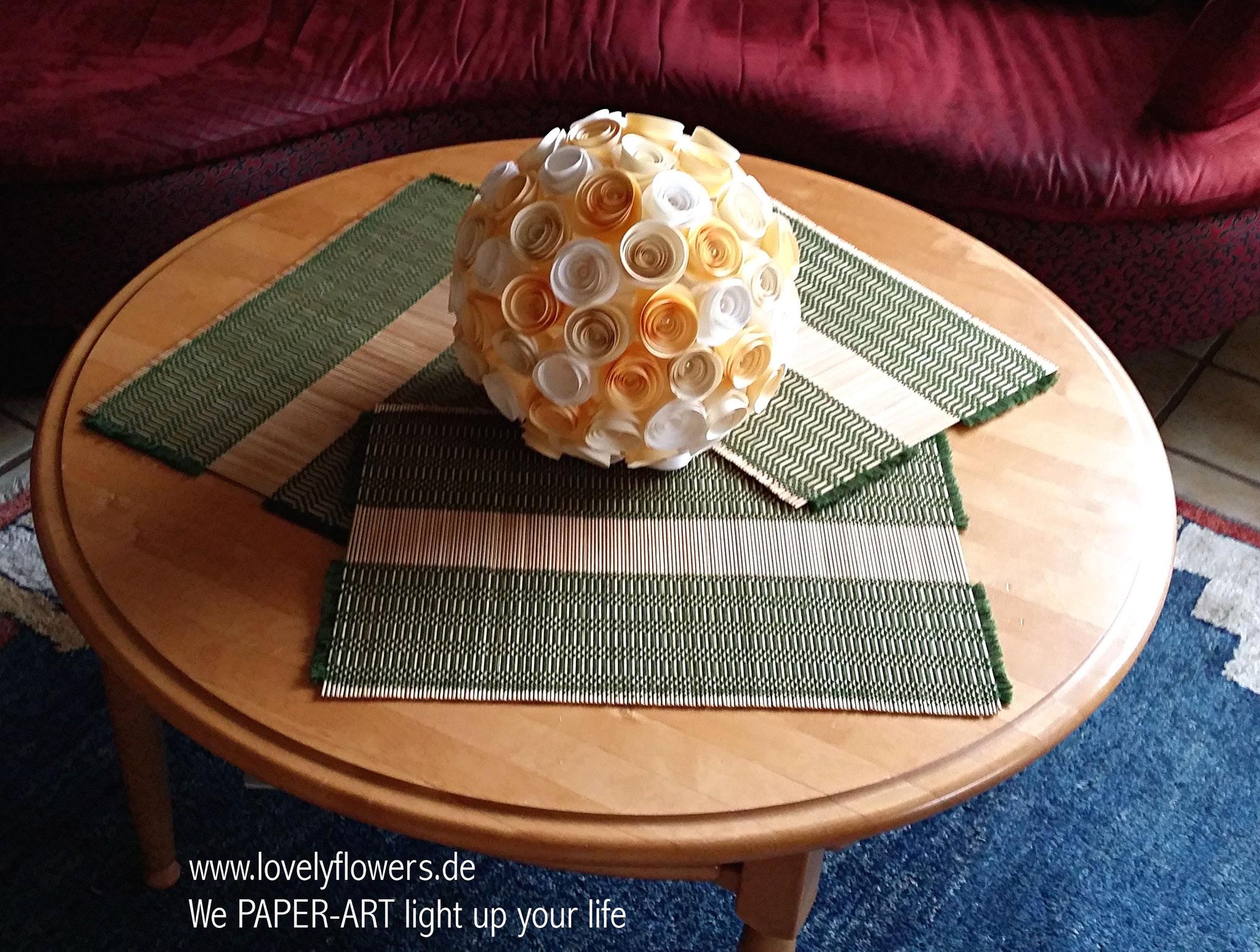 www.lovelyflowers.de - Paper Art Lampen verschönern jeden Tisch!