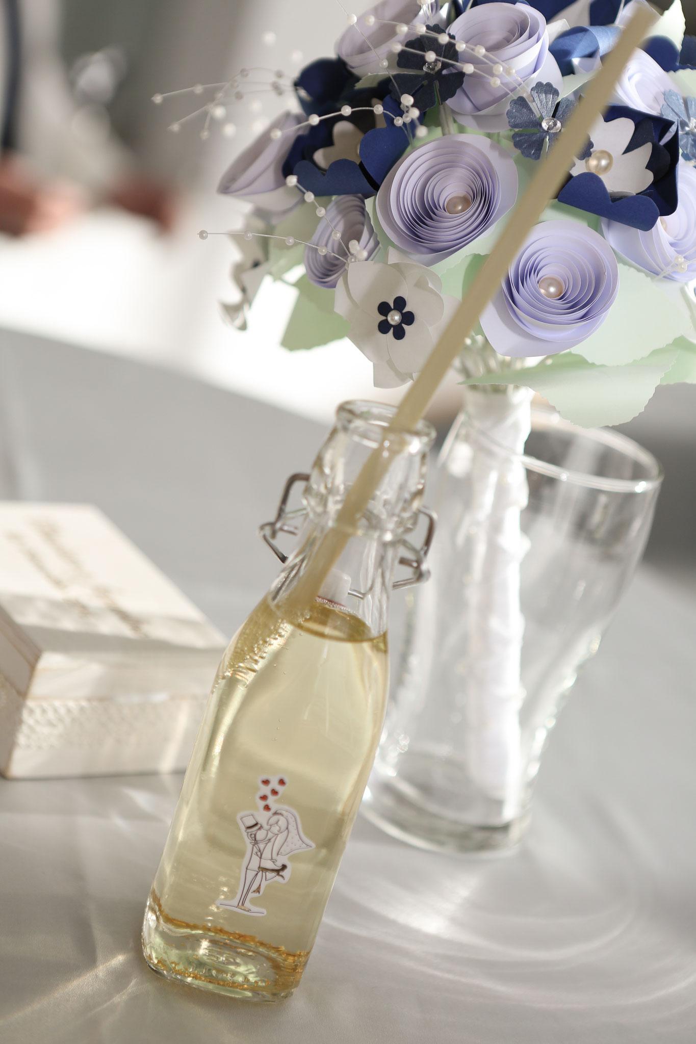 www.lovelyflowers.de - Dein Spezialist für zauberhafte PAPER-ART Brautsträuße!