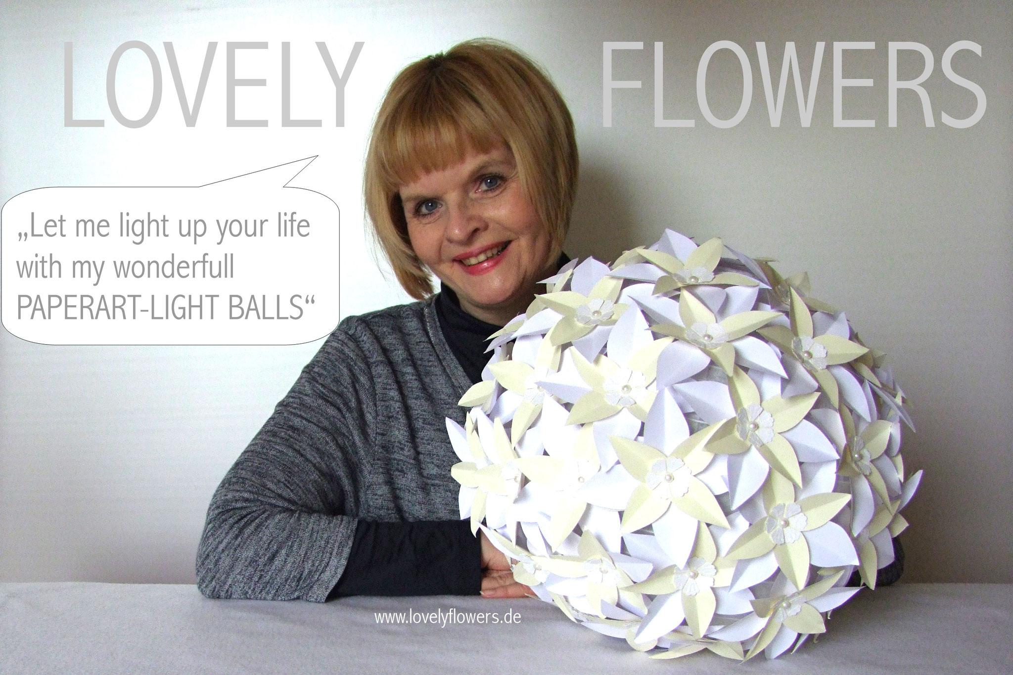 www.lovelyflowers.de - Paper Art Lampen gibt es mit vielen Blütenformen!