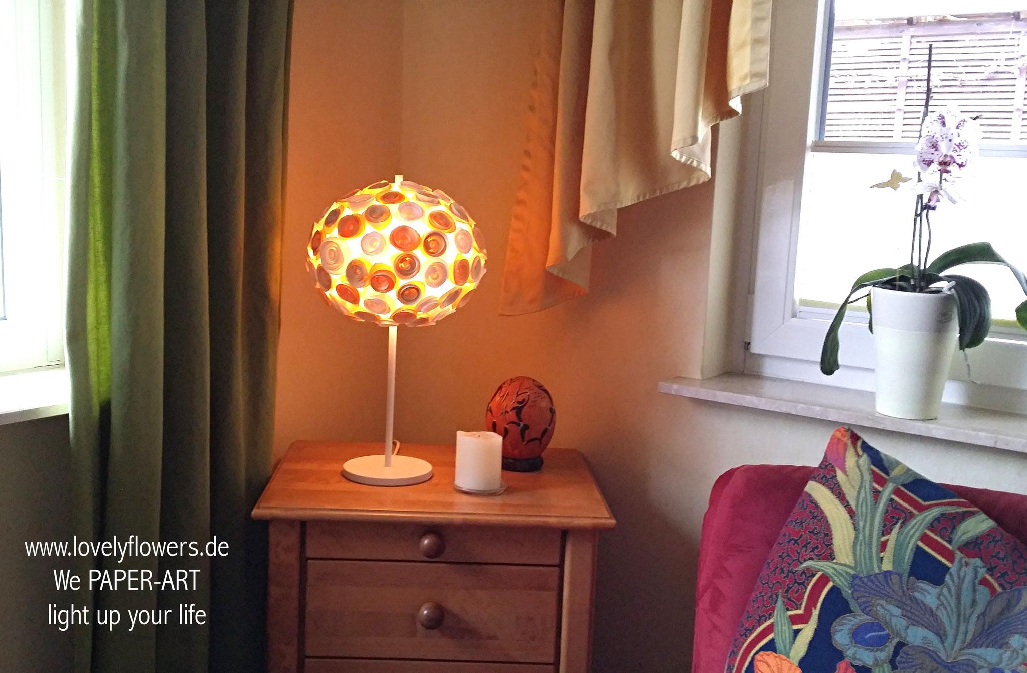 www.lovelyflowers.de - Paper Art Lampen sind ein wunderschön romantischer Blickfang!