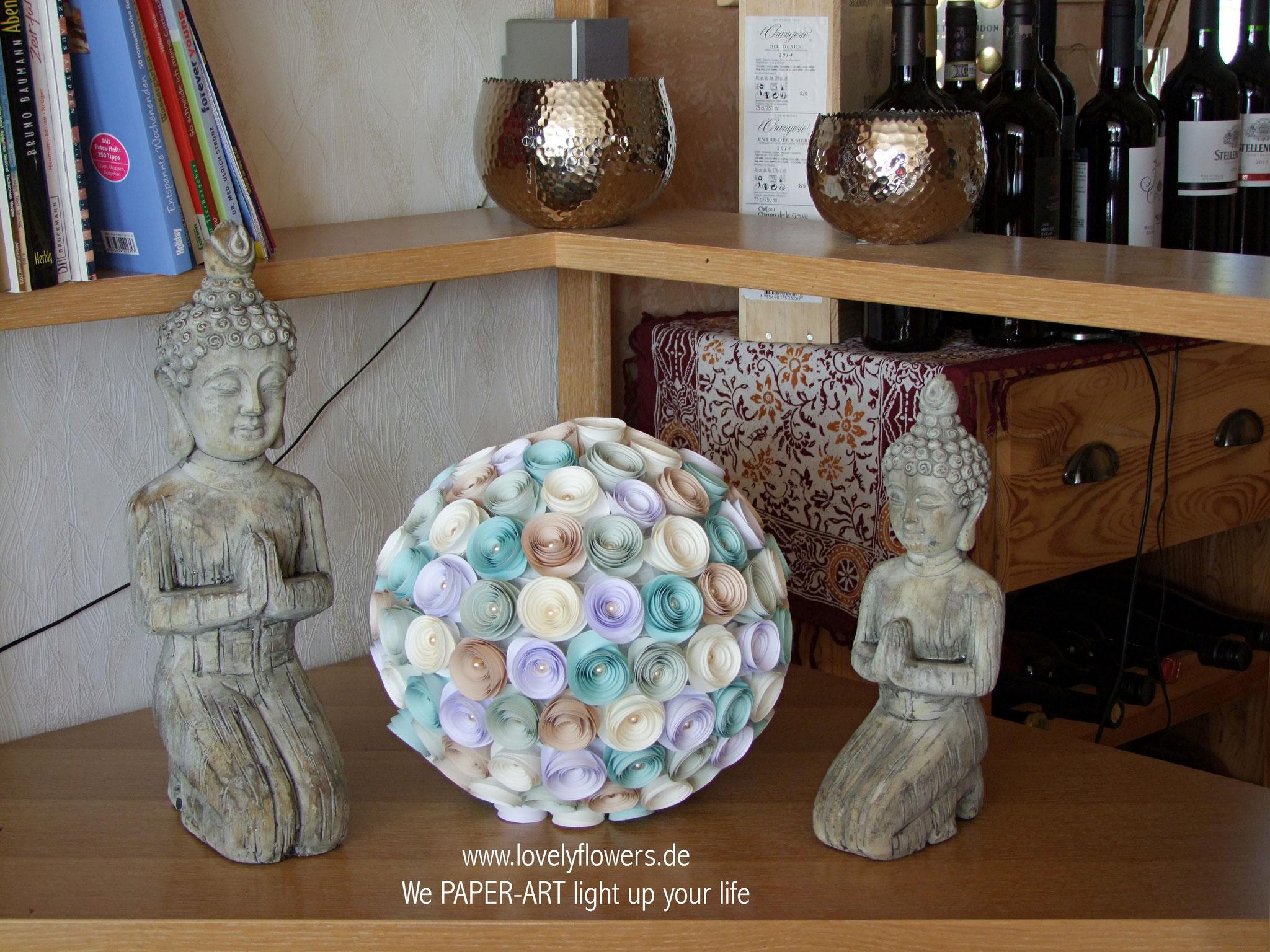 www.lovelyflowers.de - Paper Art Kugellampen passen in jedes Regal!