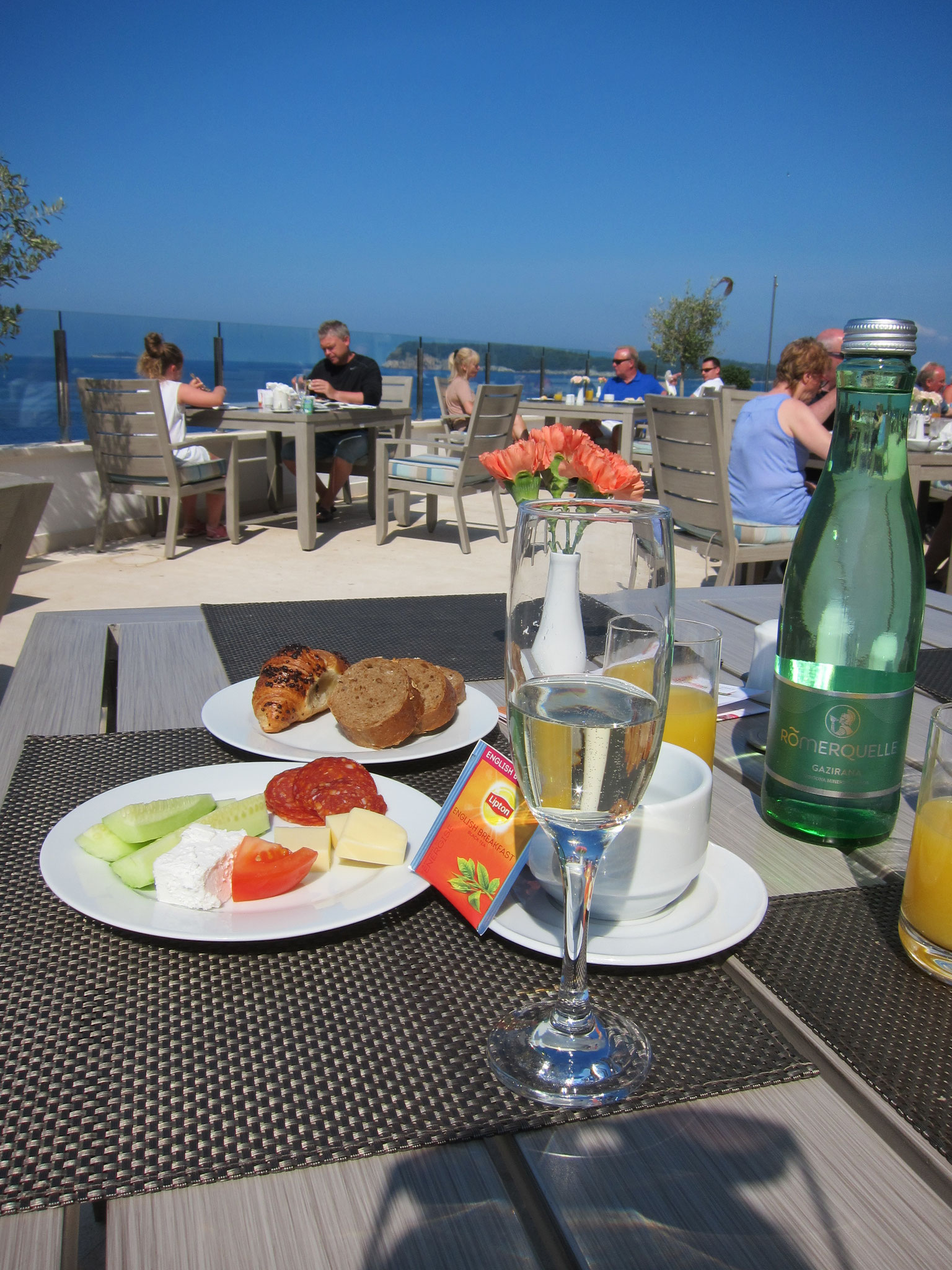 Frühstücksterrasse Neptun Hotel