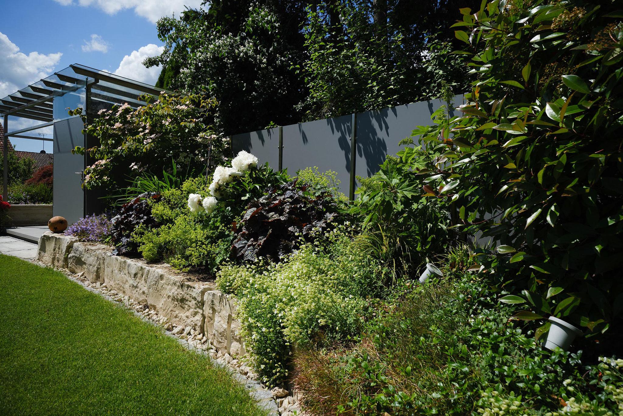 Ganzjährige Garten-Beleuchtung