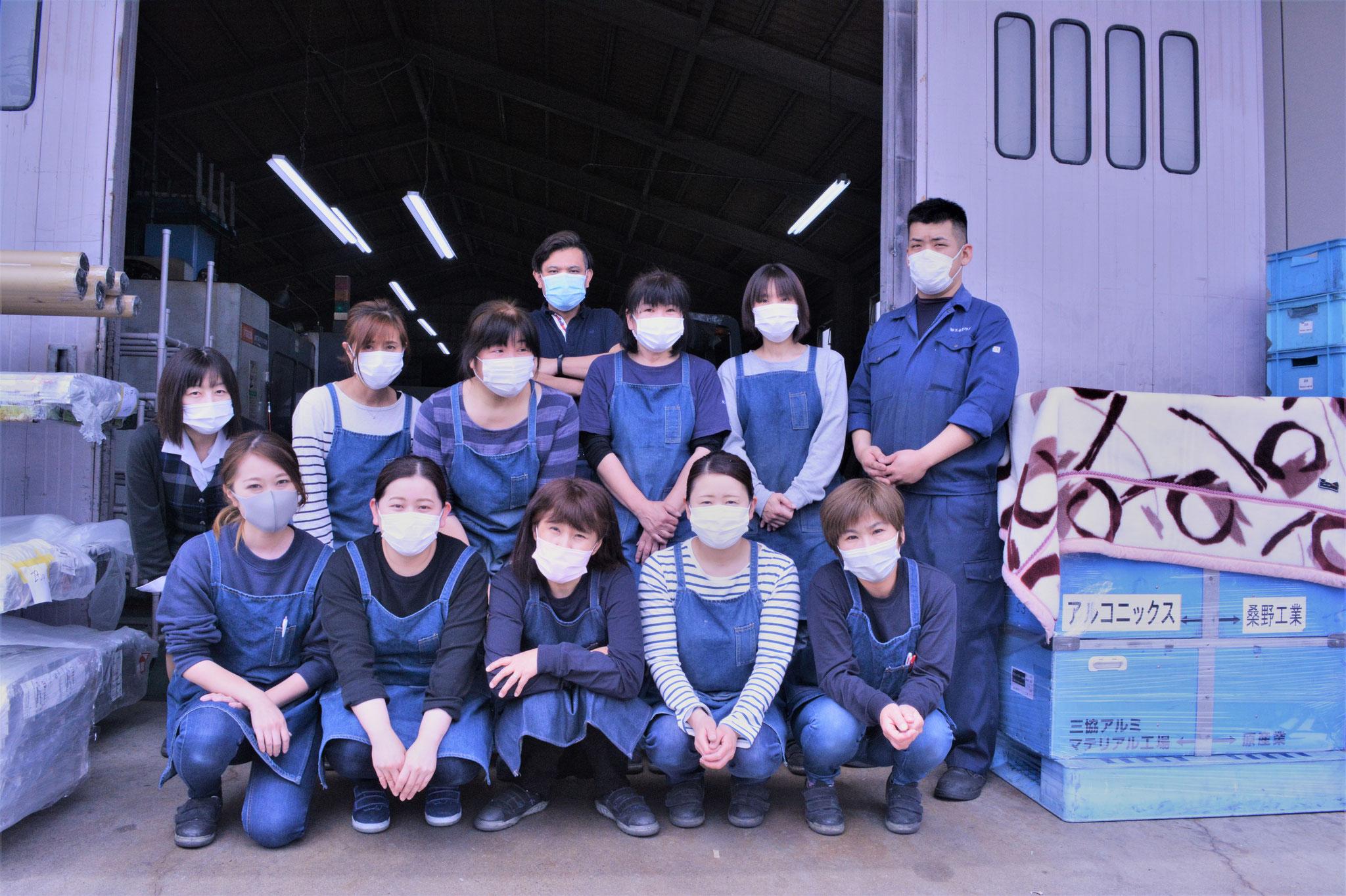 第一部品工場 ※コロナウイルス感染予防の為、全員マスクを着用しています。