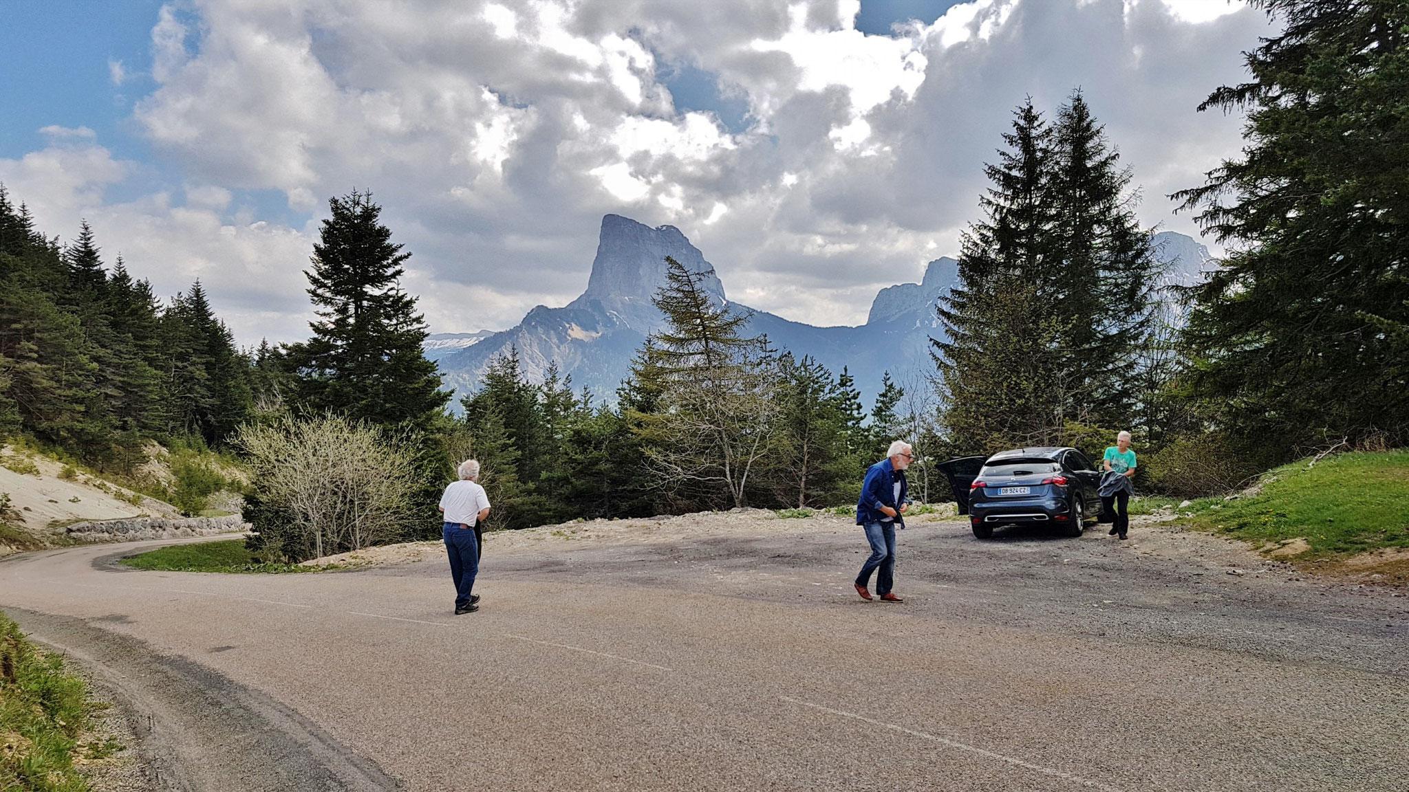 Mont Aiguille (2086 m), le but à atteindre.