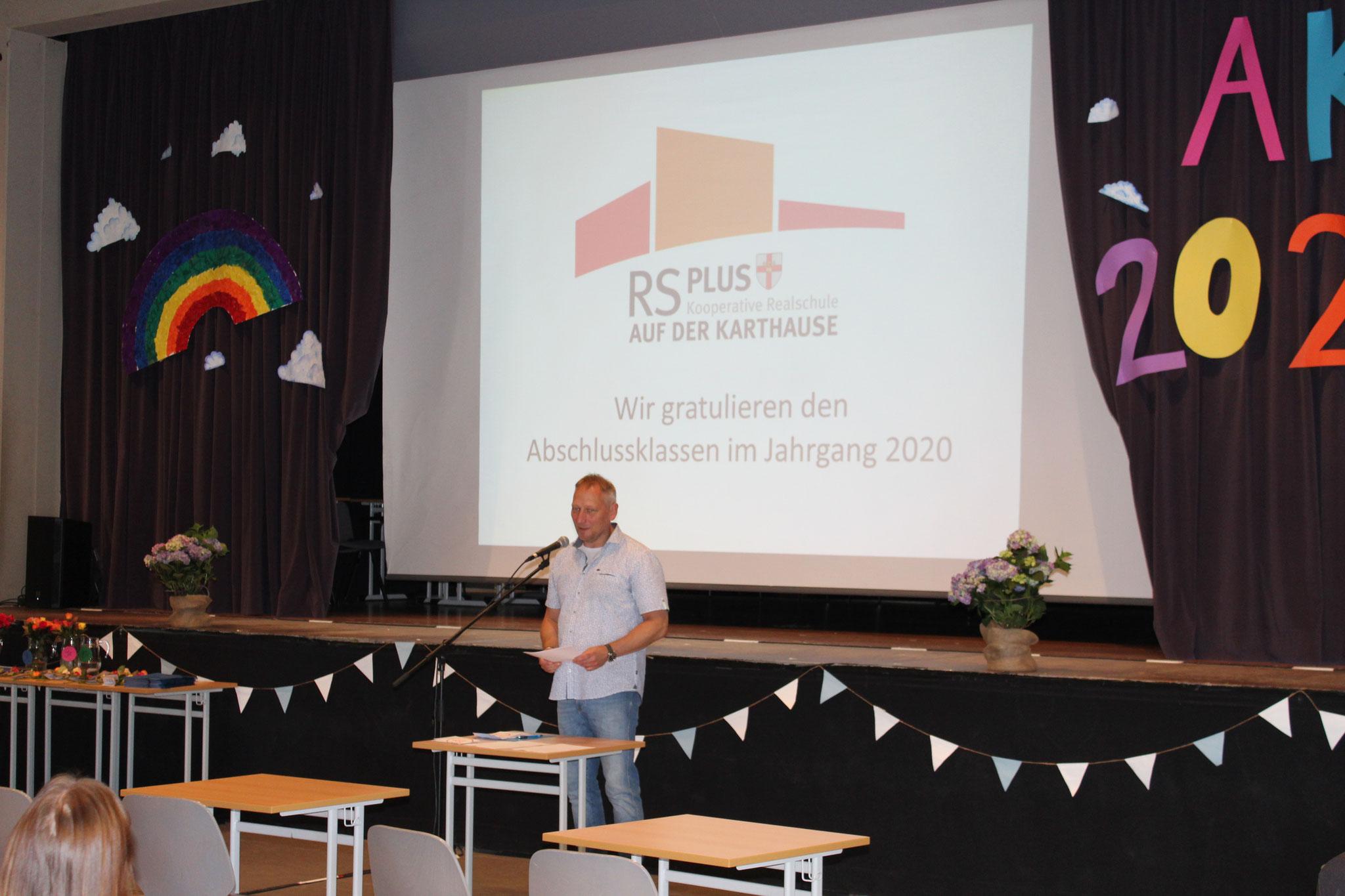 Schulleiter Herr Dobbertin