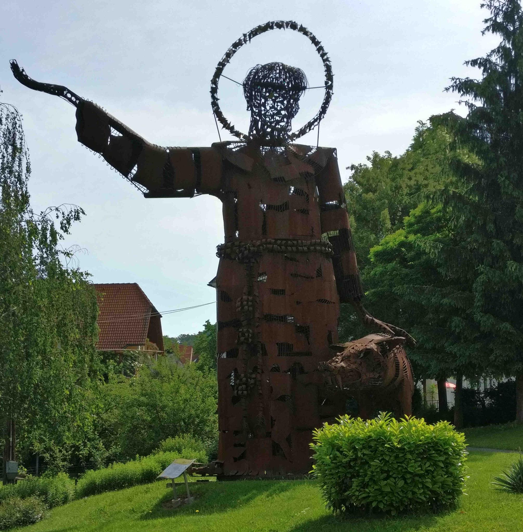 Statue in Tieschen