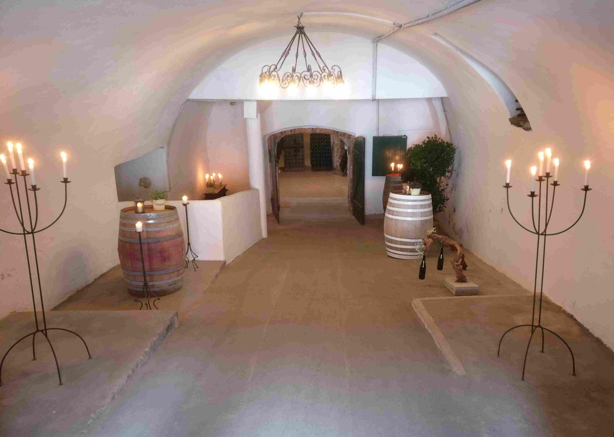 Weingut Jurtschitsch: Eingangsbereich zum Weinkeller