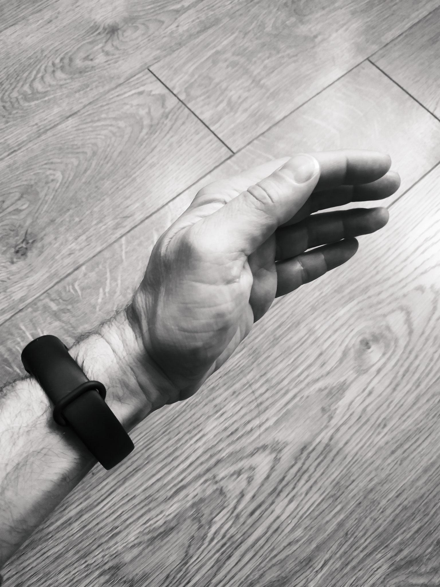 paume creusée autour de laogong et alignée avec le poignet
