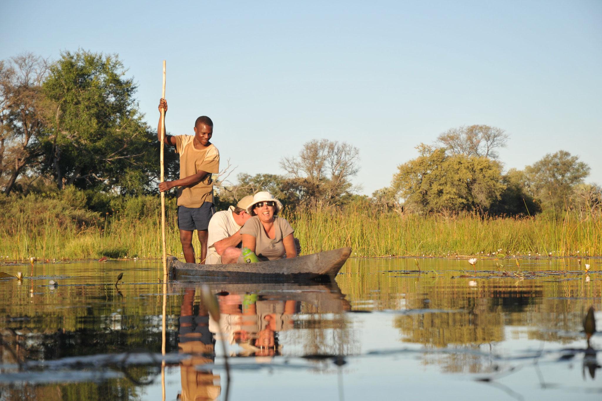 Mokoro Bootsfahrt im Okavango Delta