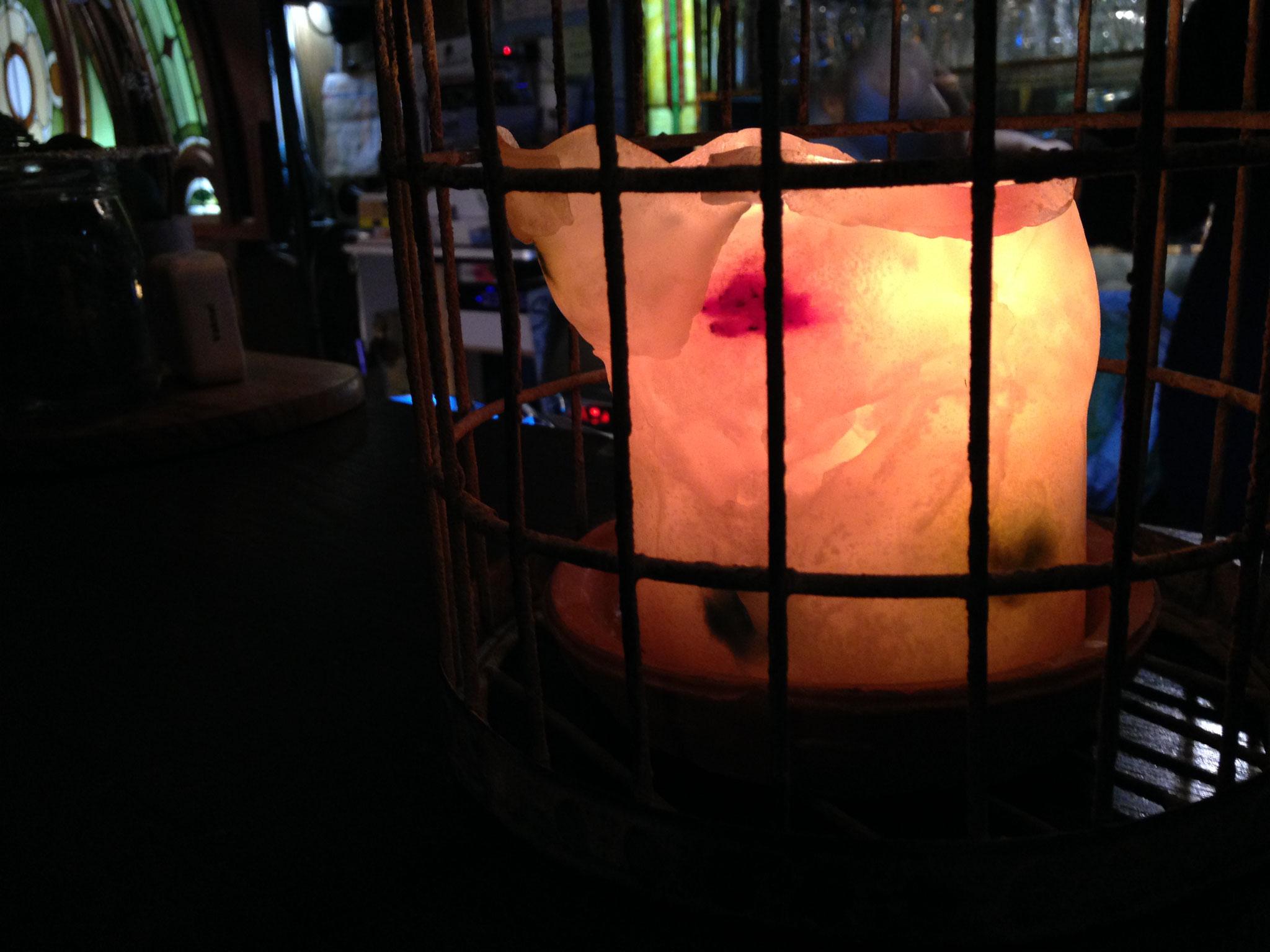 Livehouseカウンターで灯る2kgのドットキャンドル